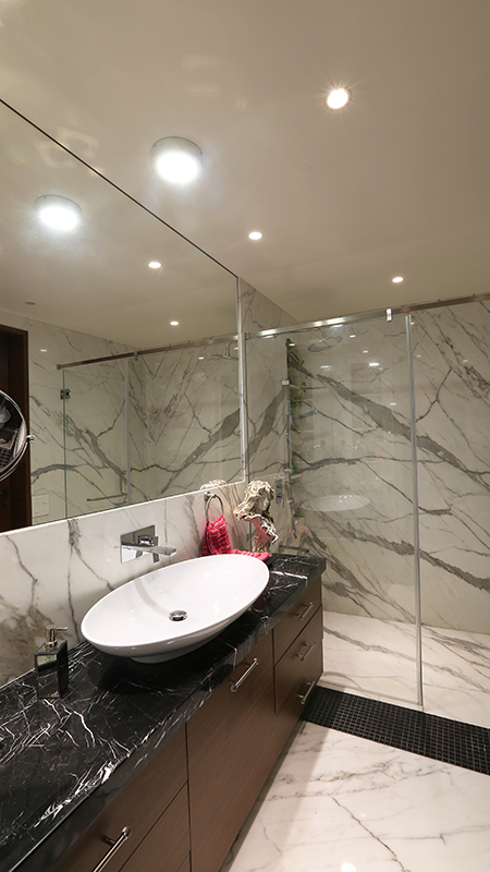 27 - Master bathroom.jpg
