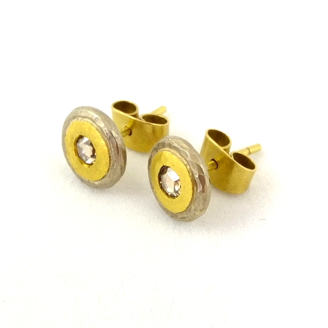 poppy dandiya diamond gold studs.JPG