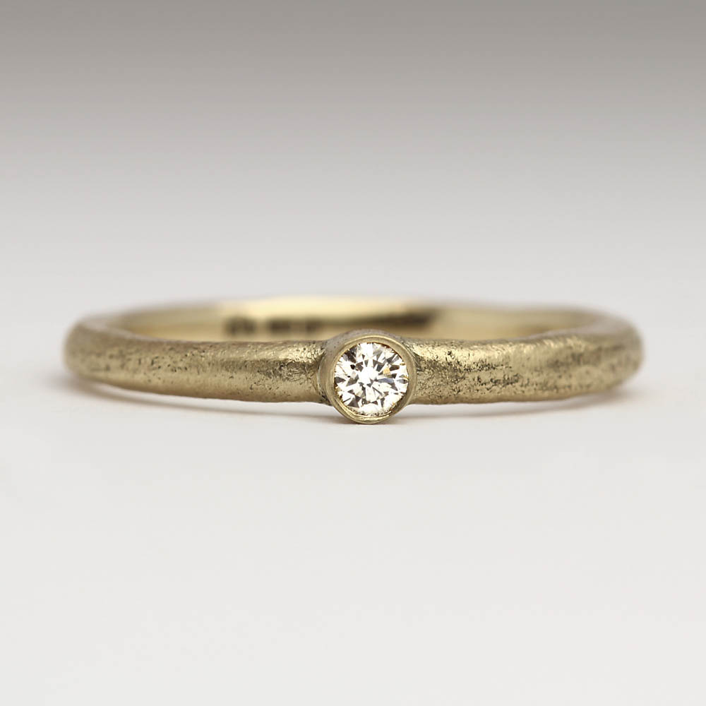 justin duance SC-CM 2mm 9Y D2 T9Y - Sand Cast 9ct Yellow Gold Ring with 2mm White Diamond  (4).JPG