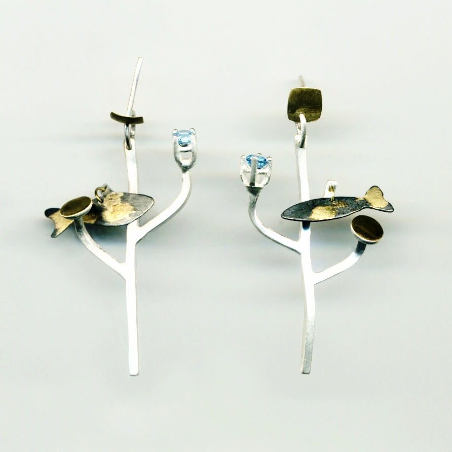 Silvia Piva earrings 215 árbol de la vida mar_ag+au+piedra.jpg