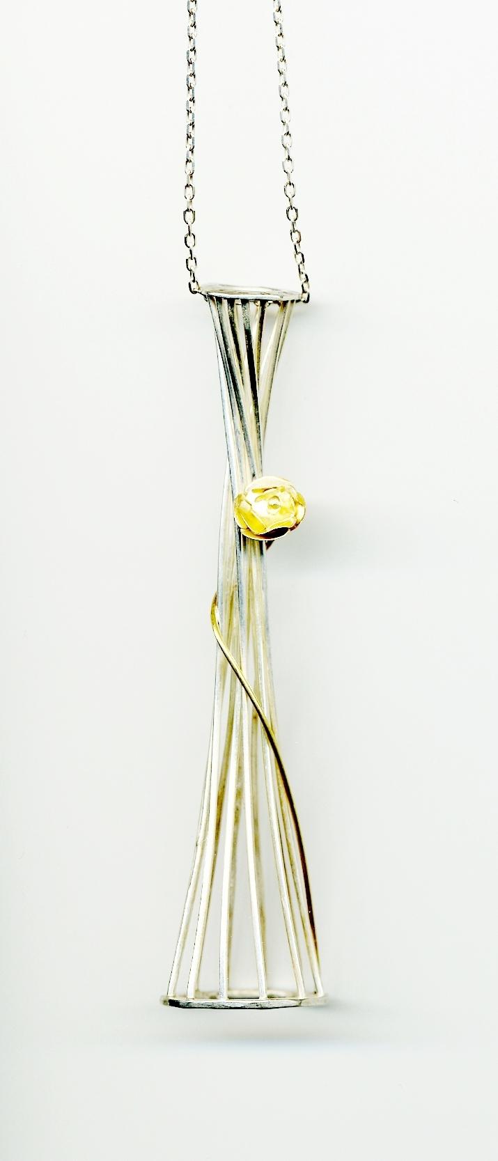 Silvia Piva pendant c207 flor en libertad_ag+au.jpg