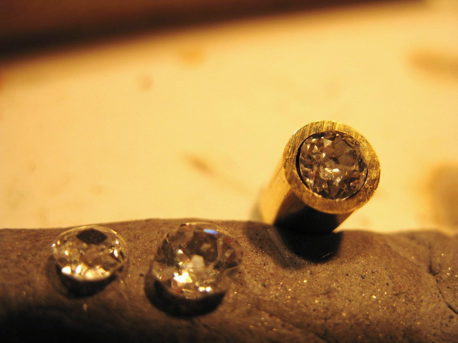 samantha queen bespoke ring gill wing jewellery 17.JPG