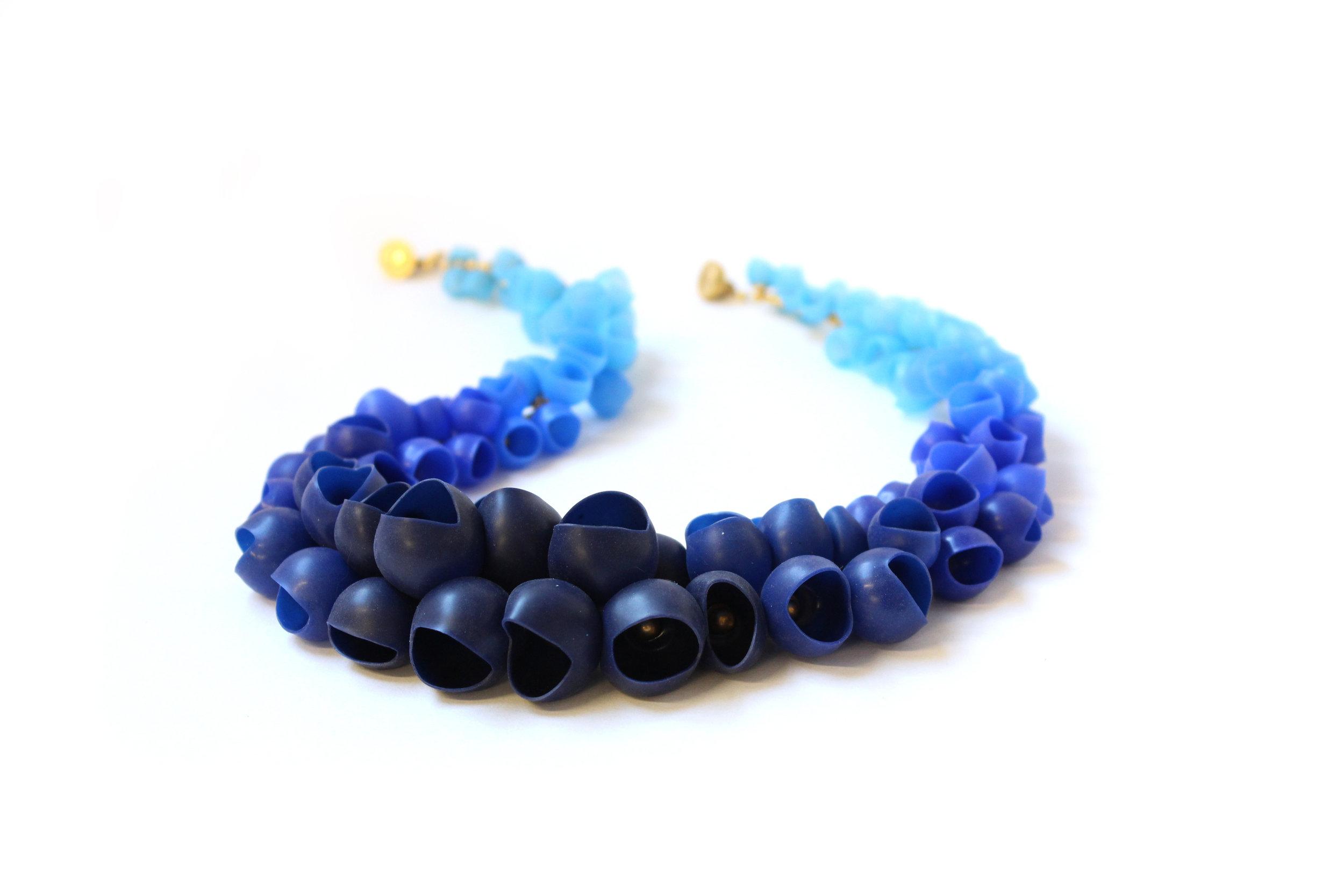 23 Jenny Llewellyn - Plume cluster necklace Navy fade - 300.jpg