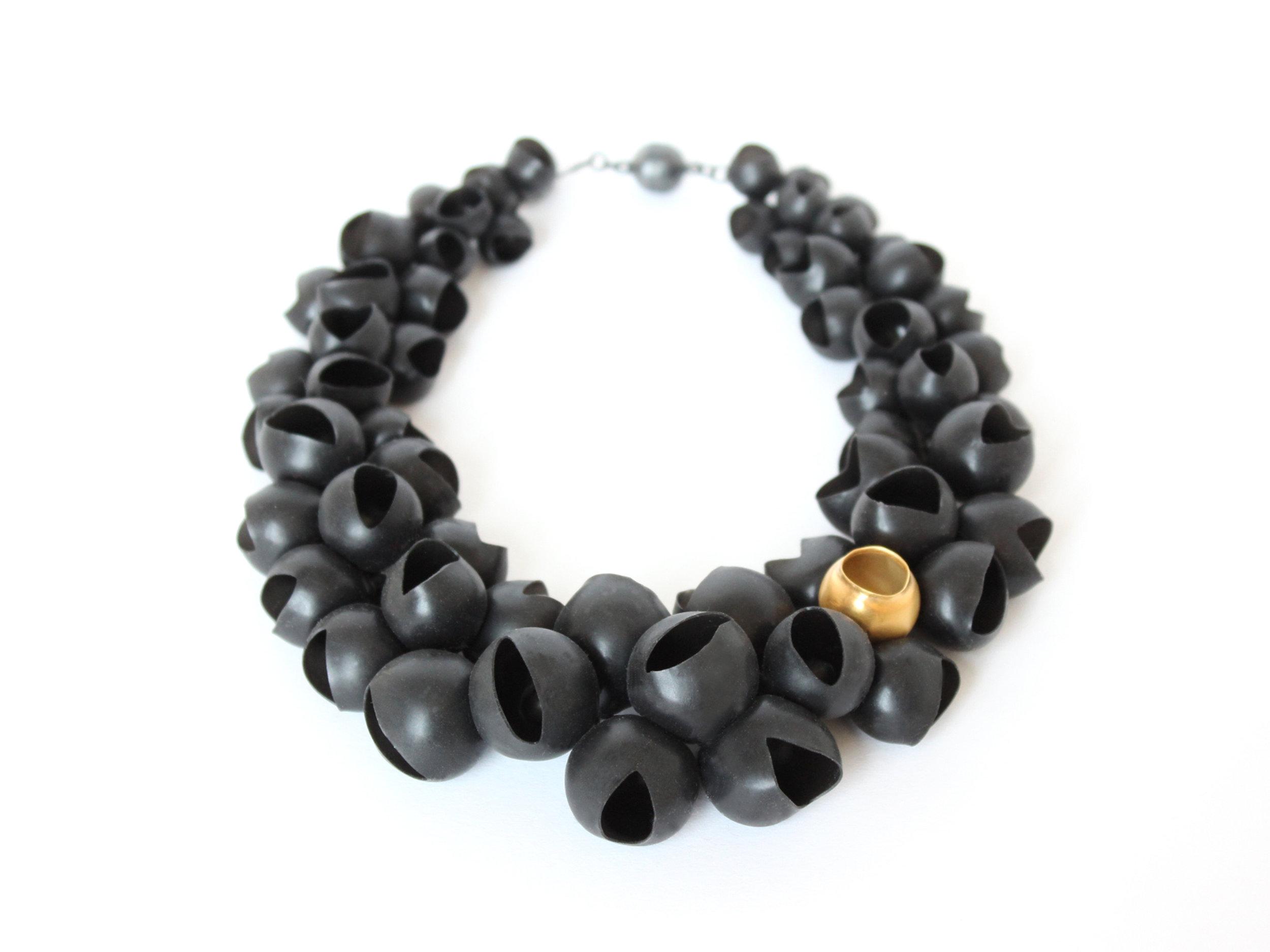 9 Jenny Llewellyn-Chromophobia necklace-300.jpg
