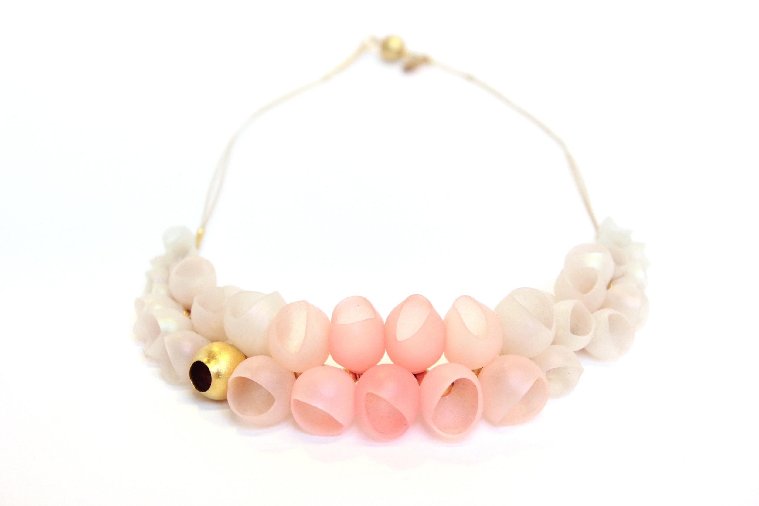 19 Jenny Llewellyn - Small graduating necklace pastel fade - 300.jpg