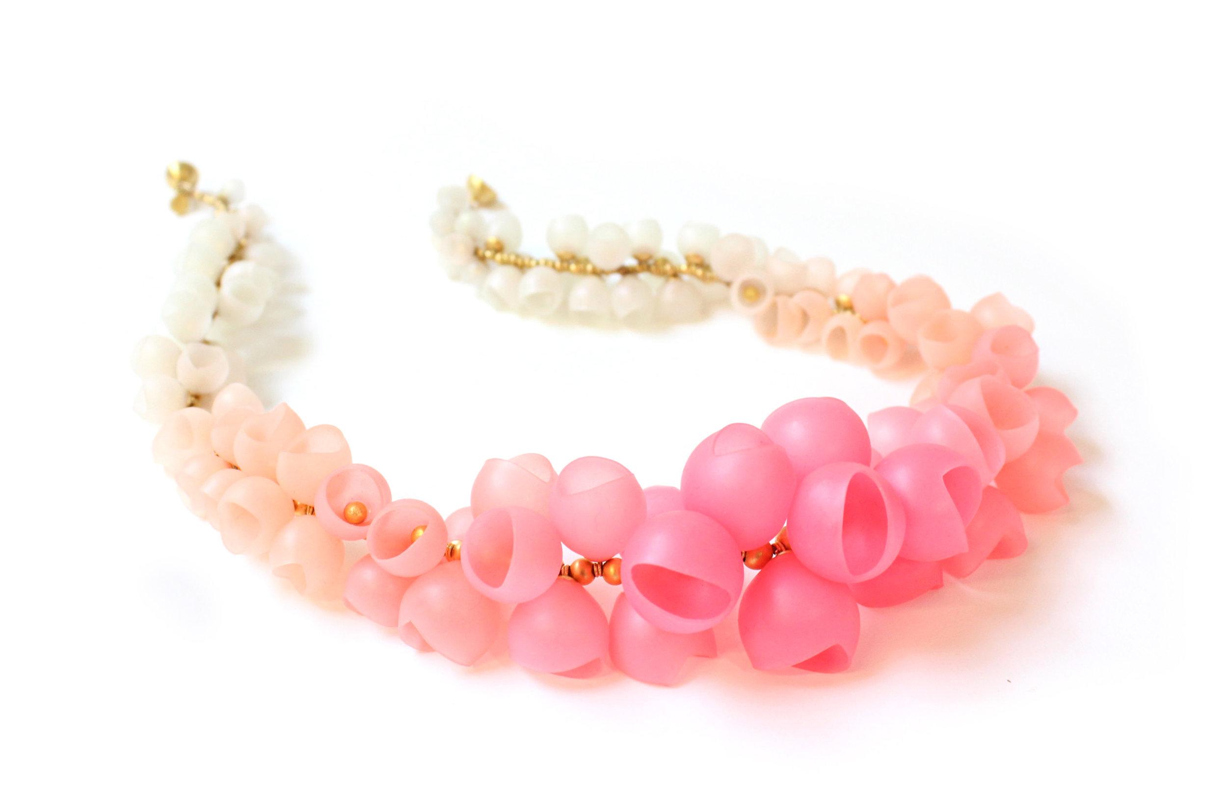 20 Jenny Llewellyn Pastel-Pearl fade necklace - 300.jpg