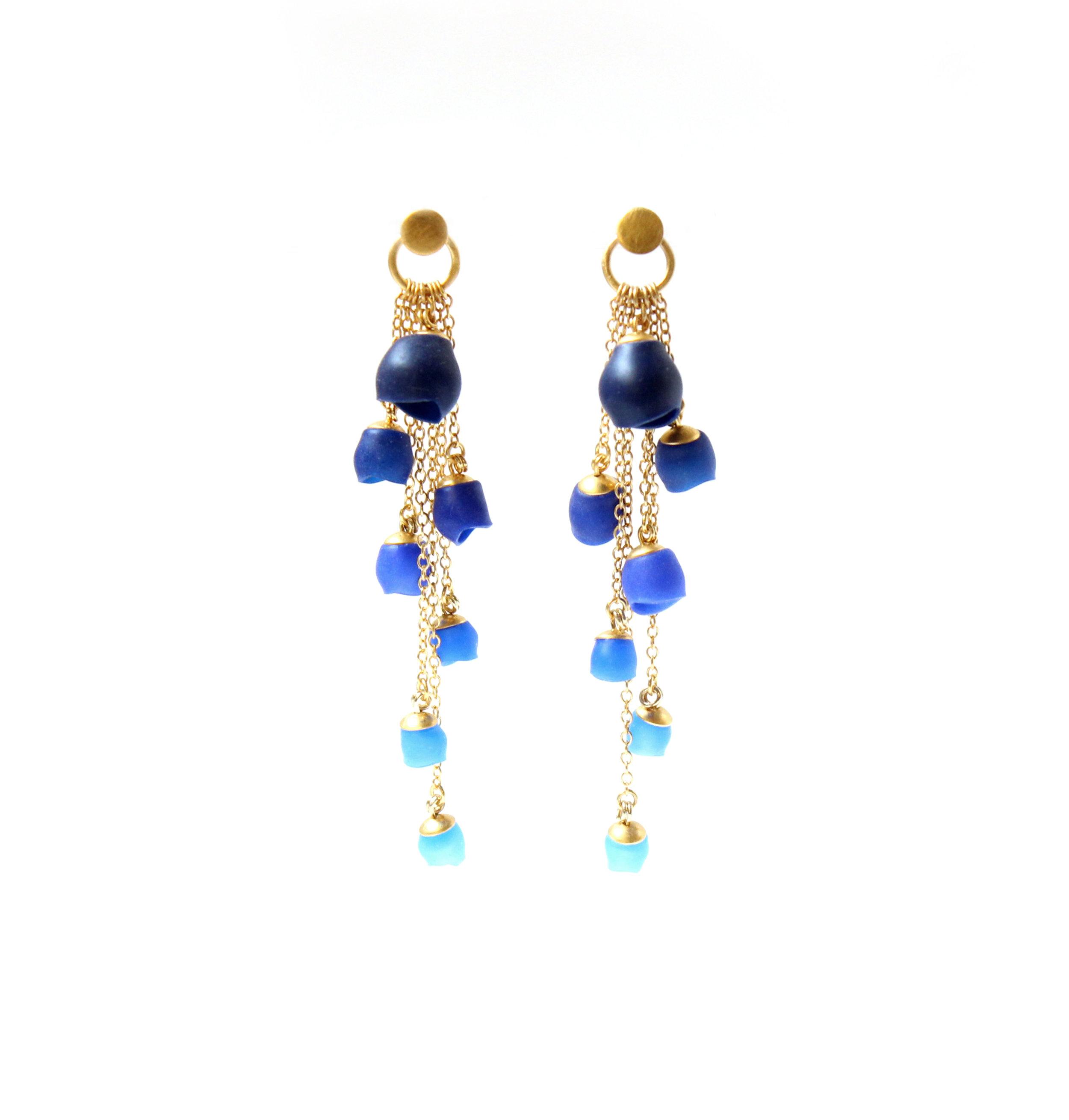 21 Jenny Llewellyn - Plume Cascade earrings Navy - 300.jpg