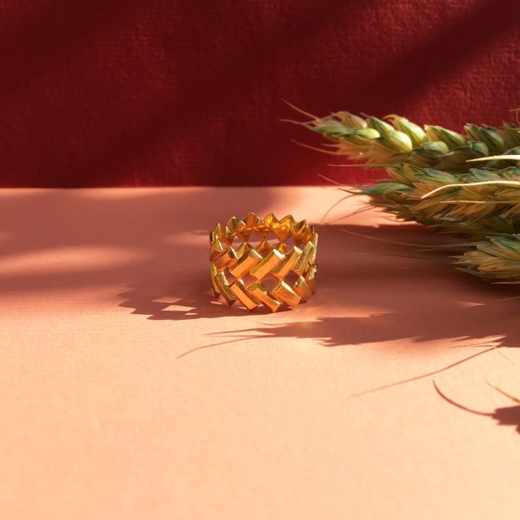 Aria Gold ring_red.jpg