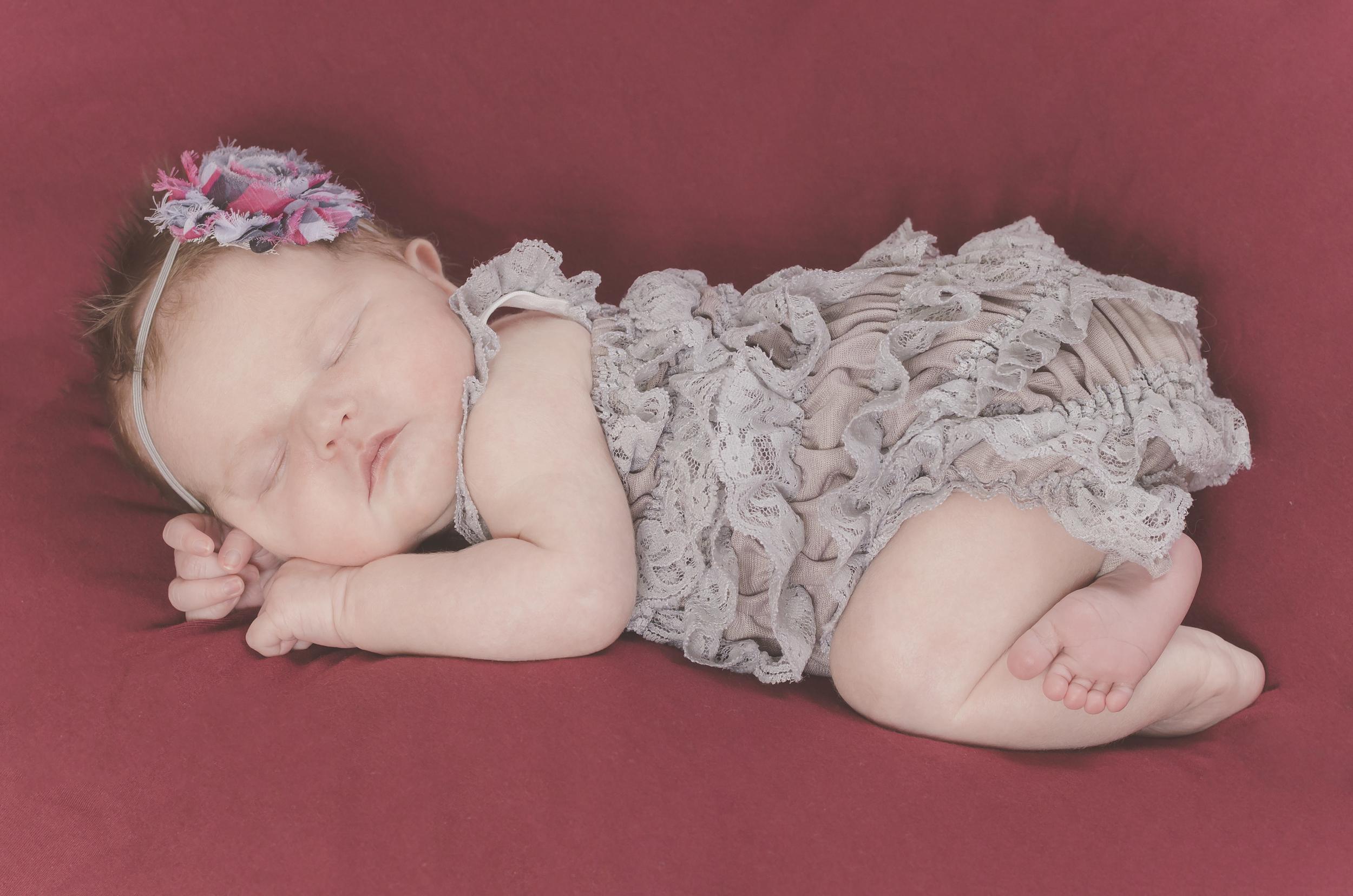 Amelia_Newborn_13.jpg