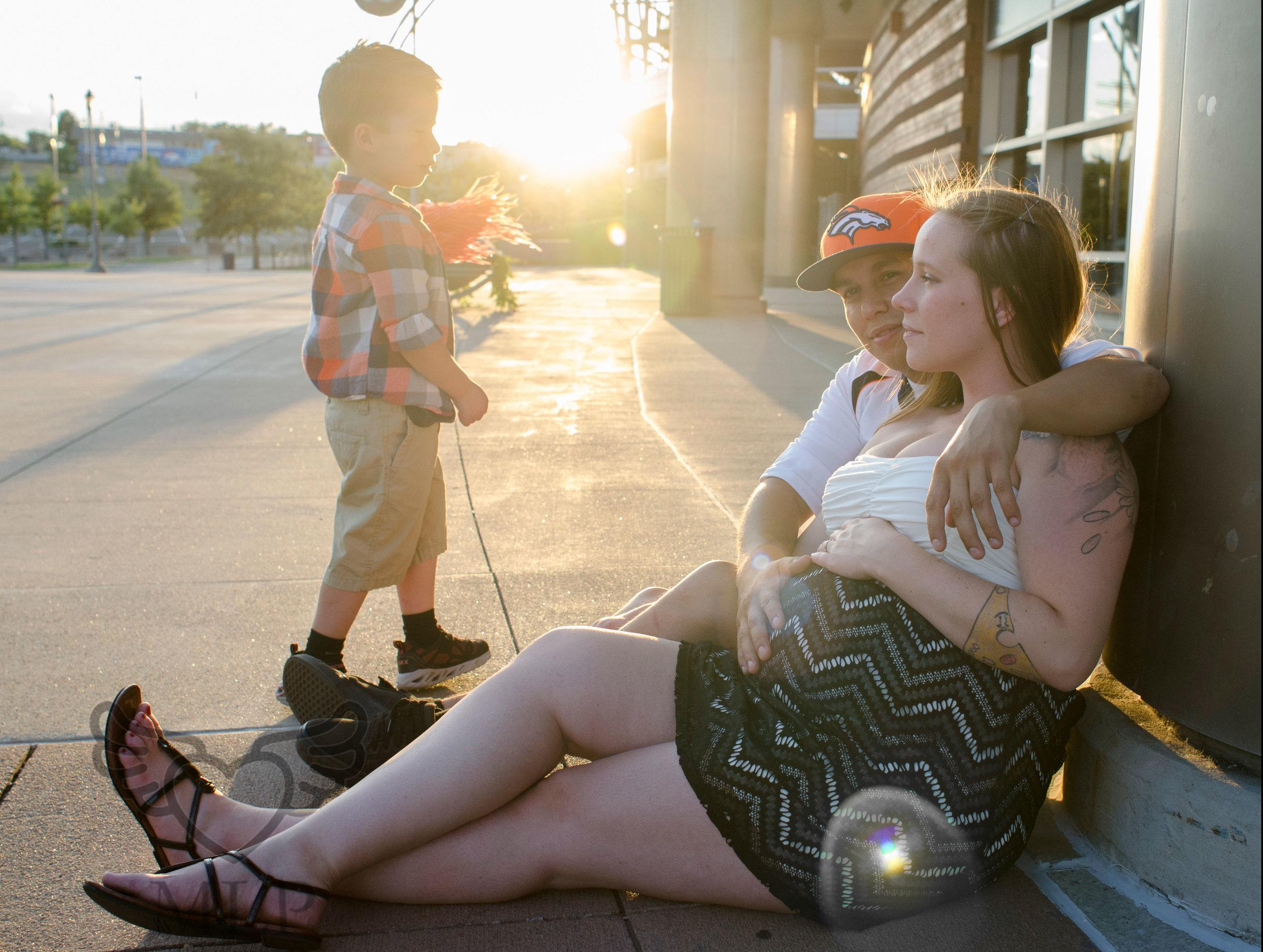 Maternity_Portrait_Broncos_Fans_06.JPG