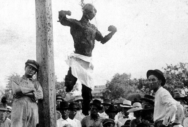 The lynching of Jesse Washington in Waco, Texas 1916 (click through to learn more)