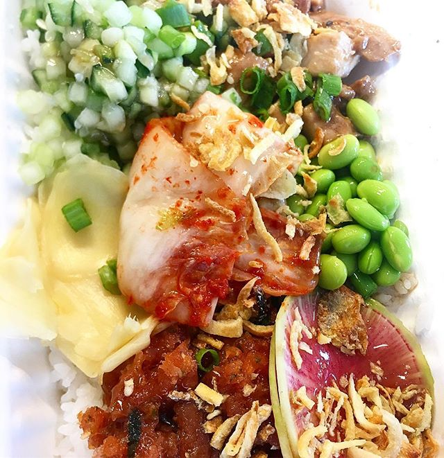 Poke YOUR way! What's your favorite combo? 🤔 This one has chicken, spicy tuna, edamame, cucumber, ginger, and radish with crispy onions 😋 . #pokelab #sustainableseafood #eatsmart #seemonterey #foodie #yum