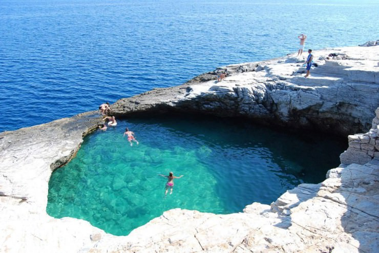 Giola Natural Swimming Pool