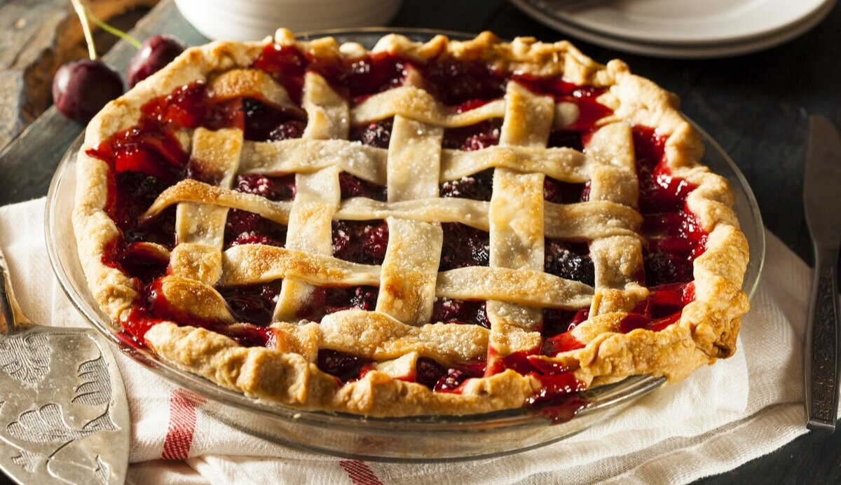 "Apple Berry Pie - Few things are more quintessentially American than ""mom and apple pie."" But add fresh California berries to sweeten up this classic."