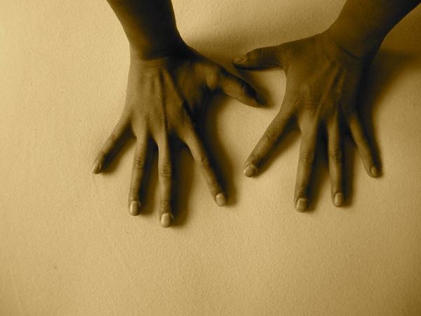 hands massage.bigger square1.png