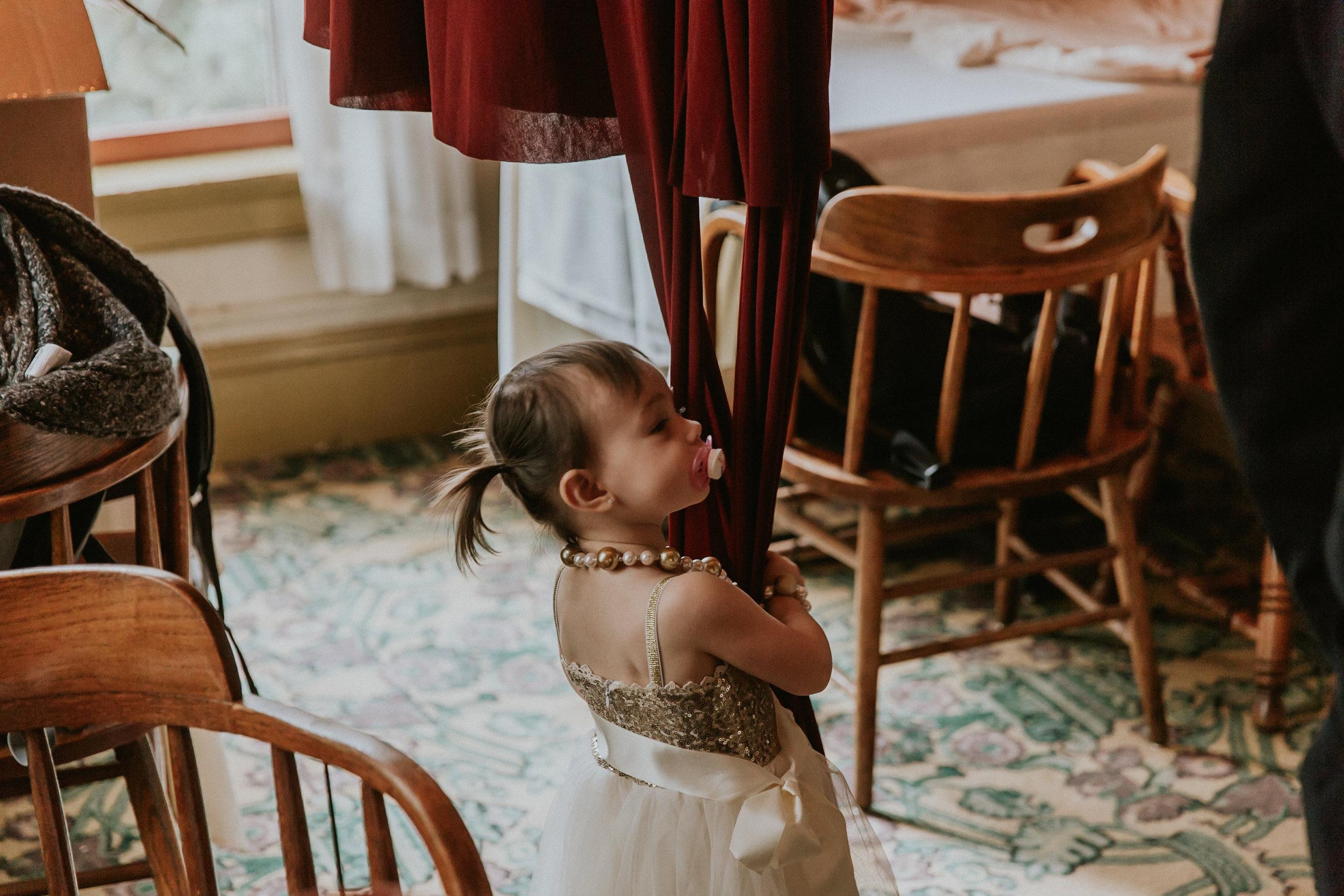 Portland_wedding_photographer_McMenamins_Alfred_Tang-25.jpg