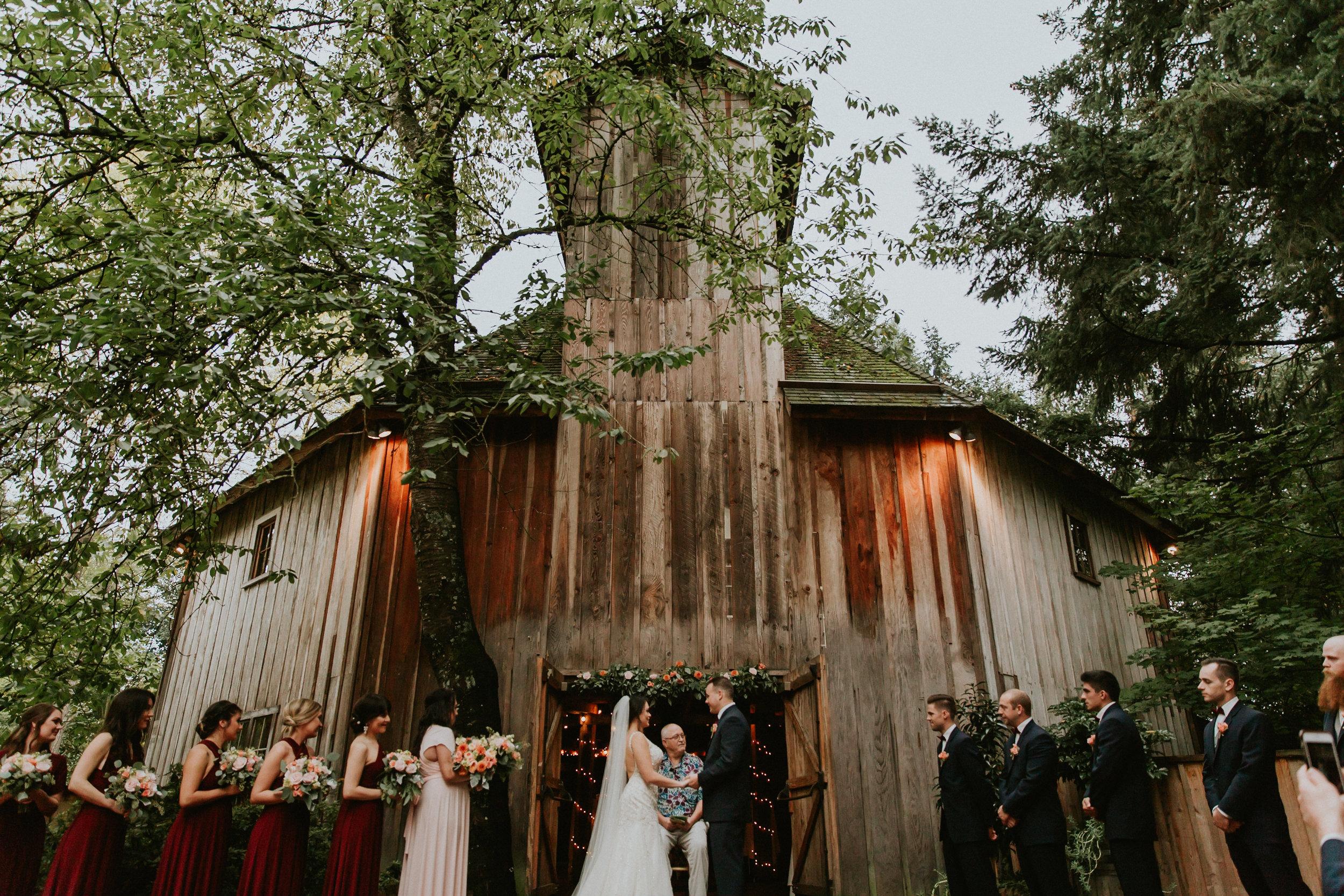 Portland_wedding_photographer_McMenamins_Alfred_Tang-81.jpg