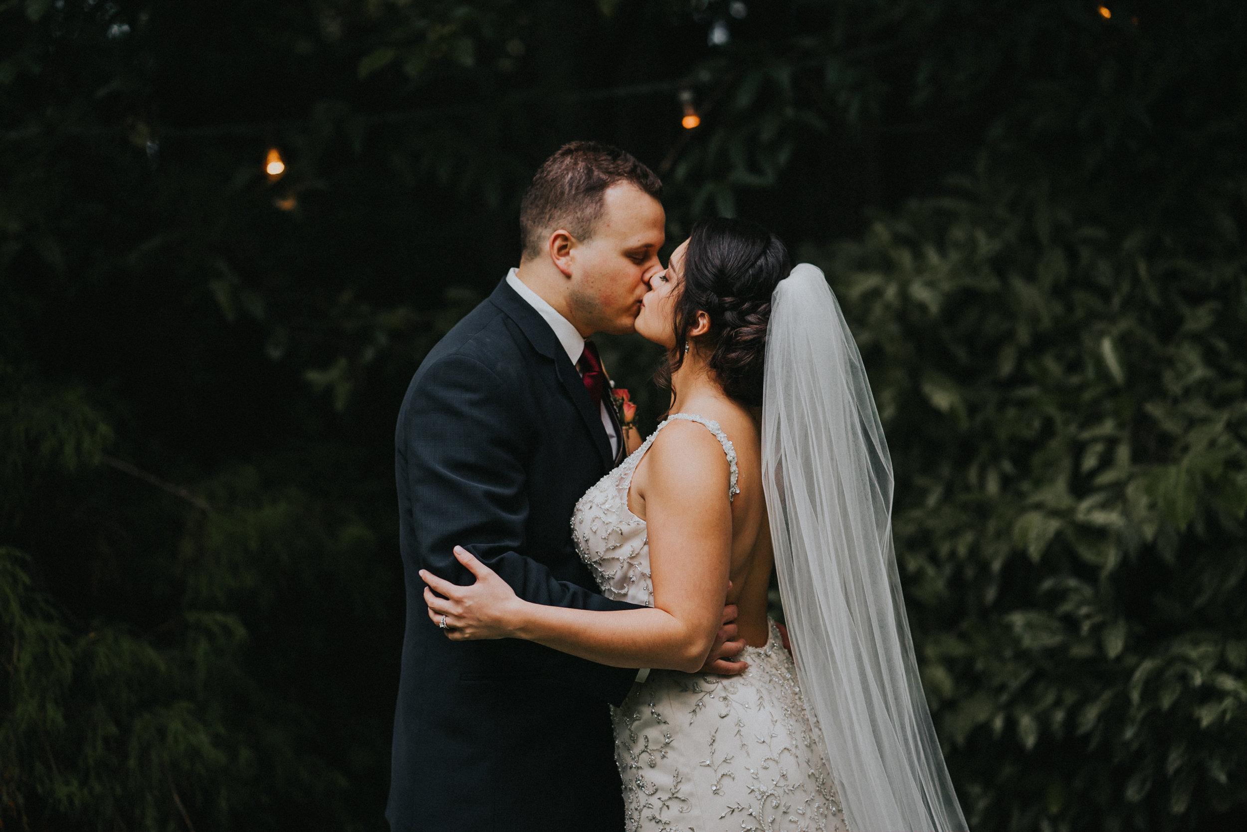 Portland_wedding_photographer_McMenamins_Alfred_Tang-7.jpg