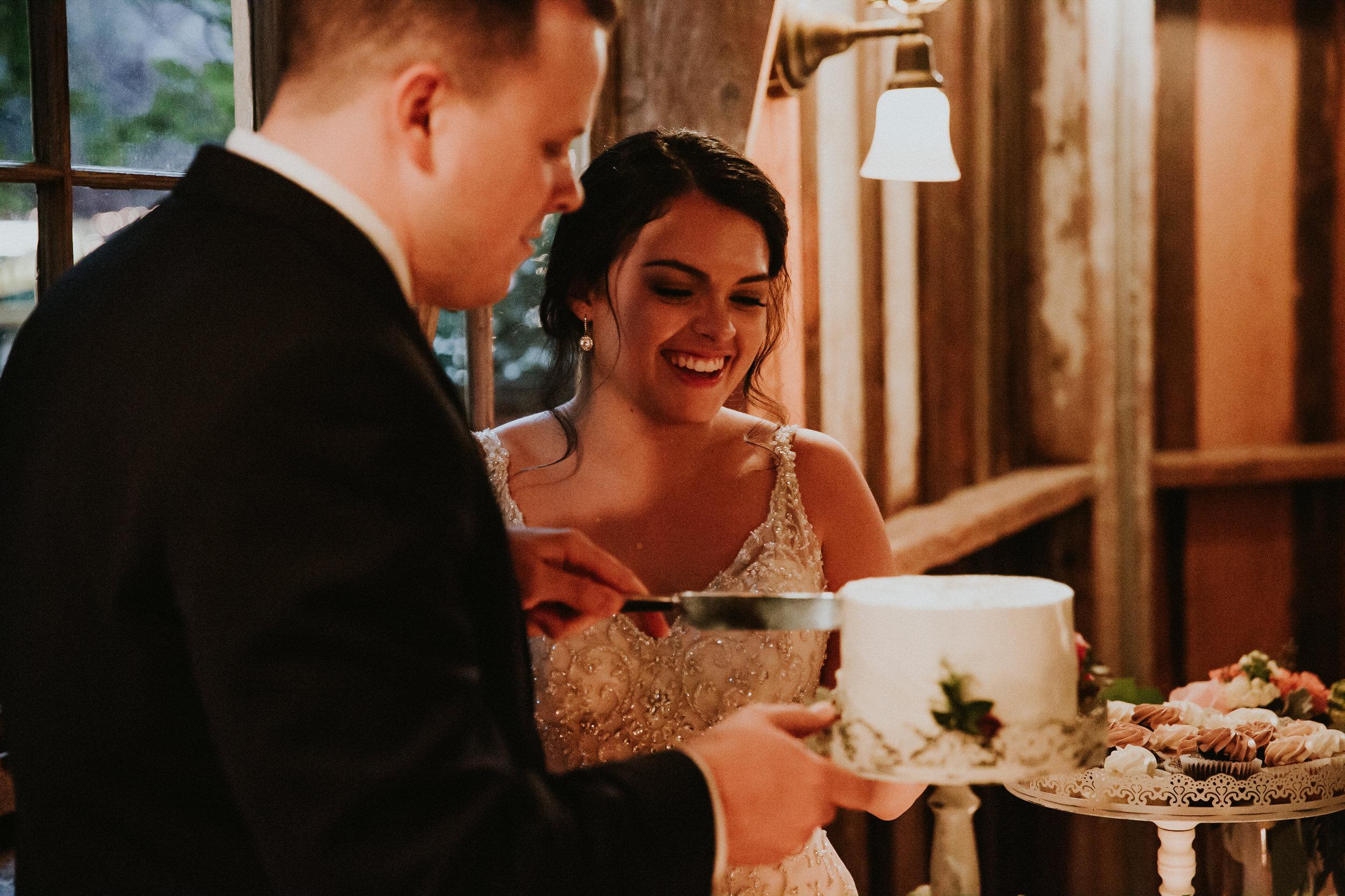 Portland_wedding_photographer_McMenamins_Alfred_Tang-43.jpg