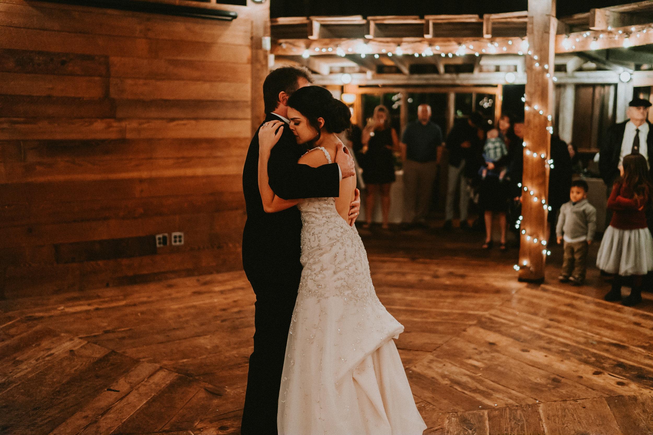Portland_wedding_photographer_McMenamins_Alfred_Tang-58.jpg