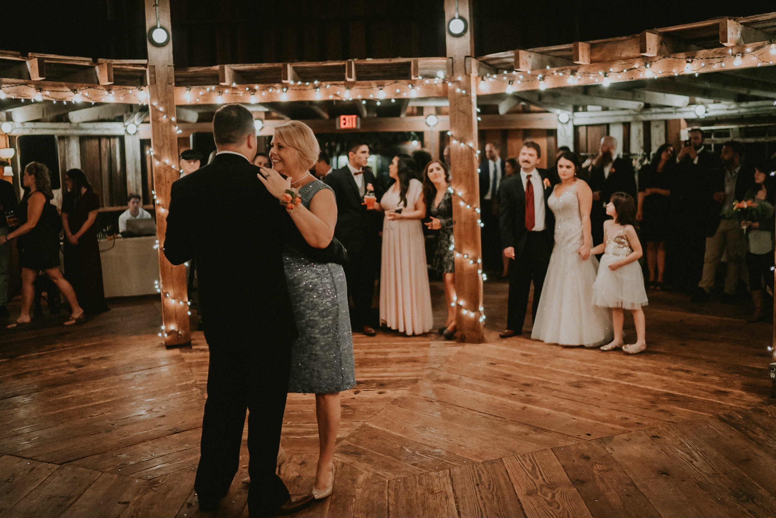 Portland_wedding_photographer_McMenamins_Alfred_Tang-64.jpg