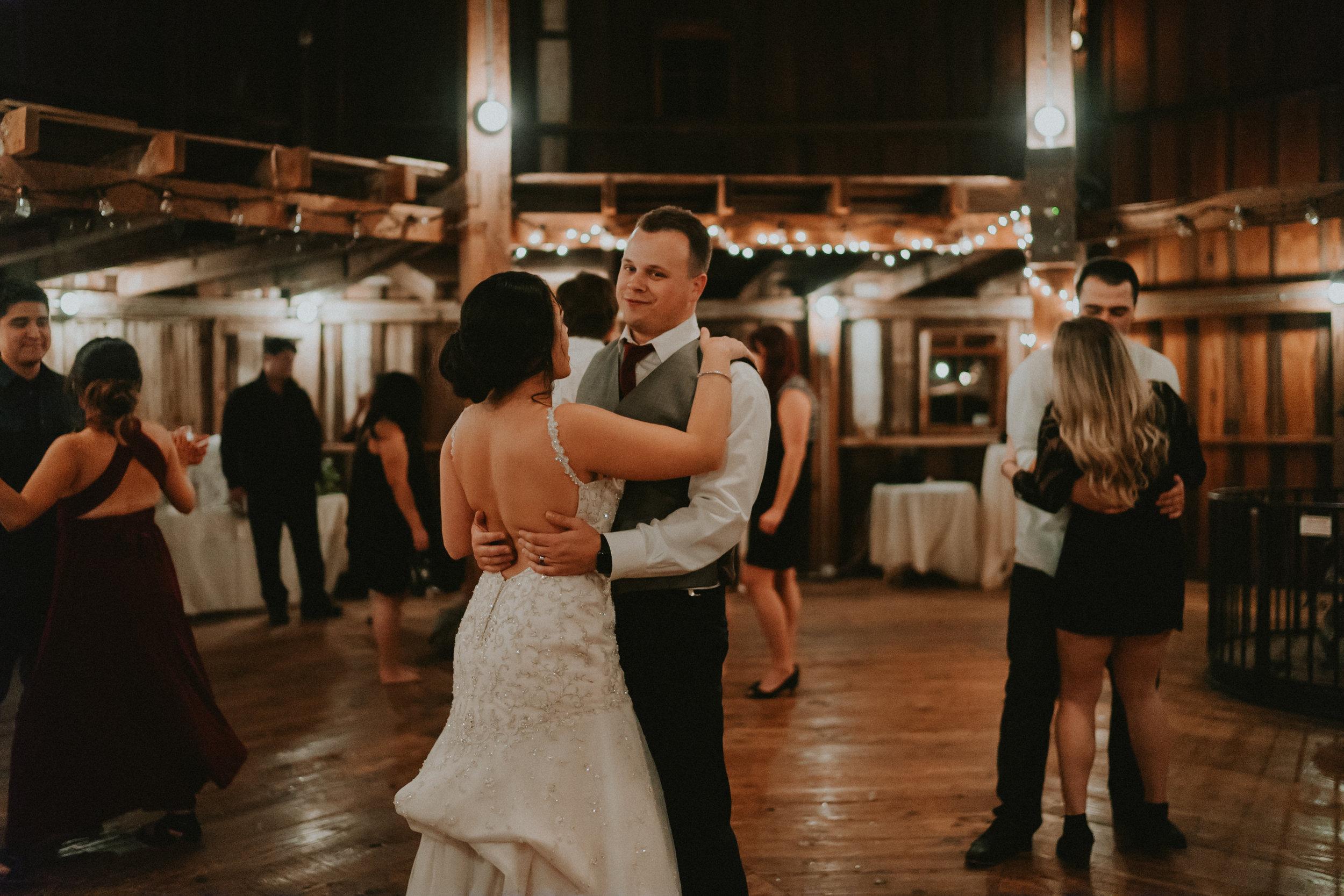 Portland_wedding_photographer_McMenamins_Alfred_Tang-109.jpg