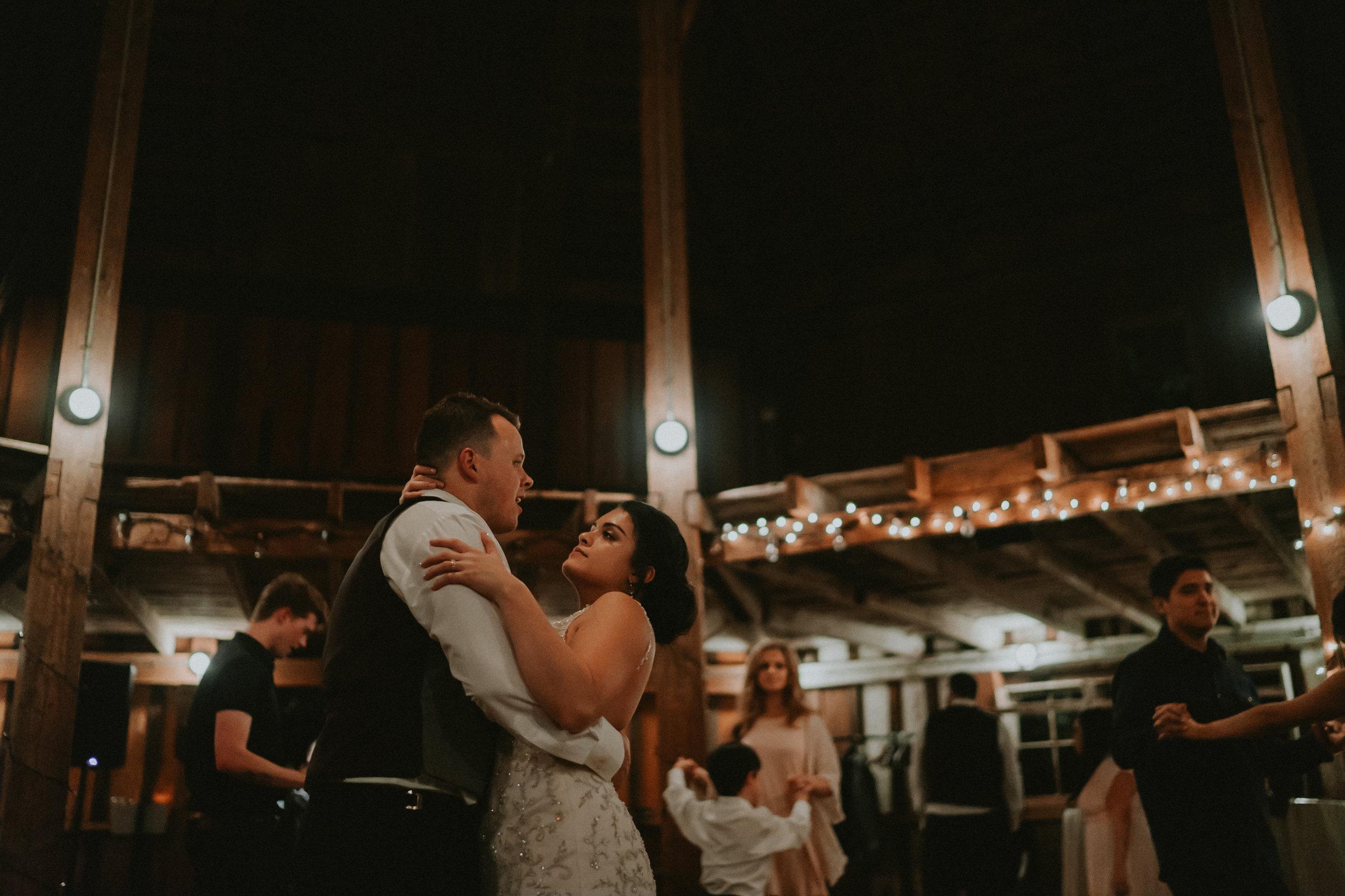 Portland_wedding_photographer_McMenamins_Alfred_Tang-113.jpg