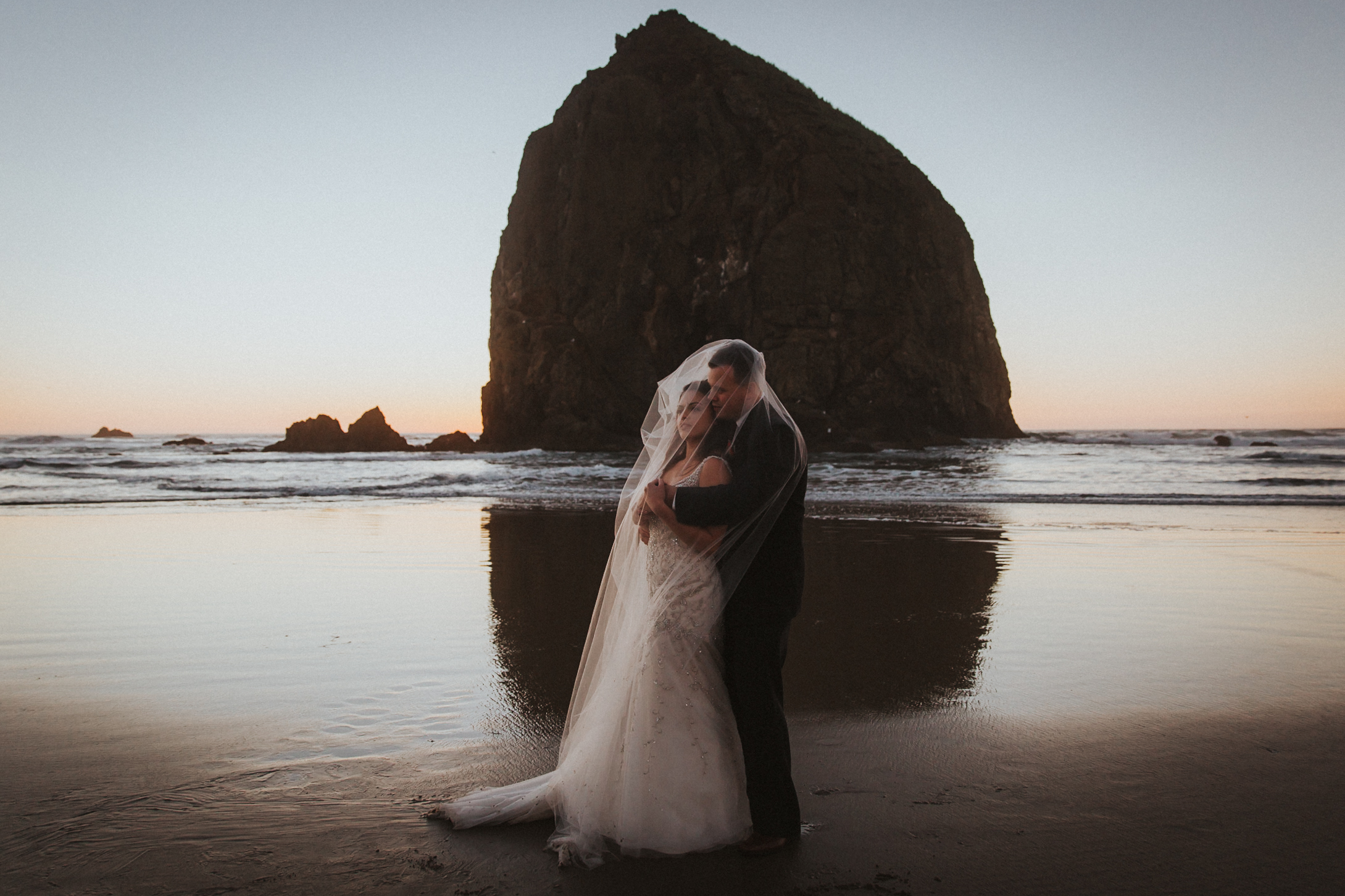 Cannon_Beach_wedding_portland_photography_alfred_tang_Photographer-5.jpg