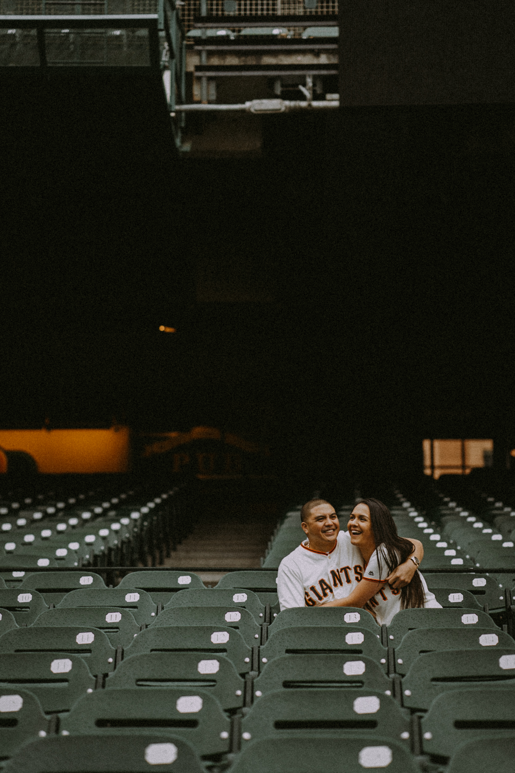 San-Francisco-engagement-wedding-photographer-Giants-AT&T-Park-3.jpg