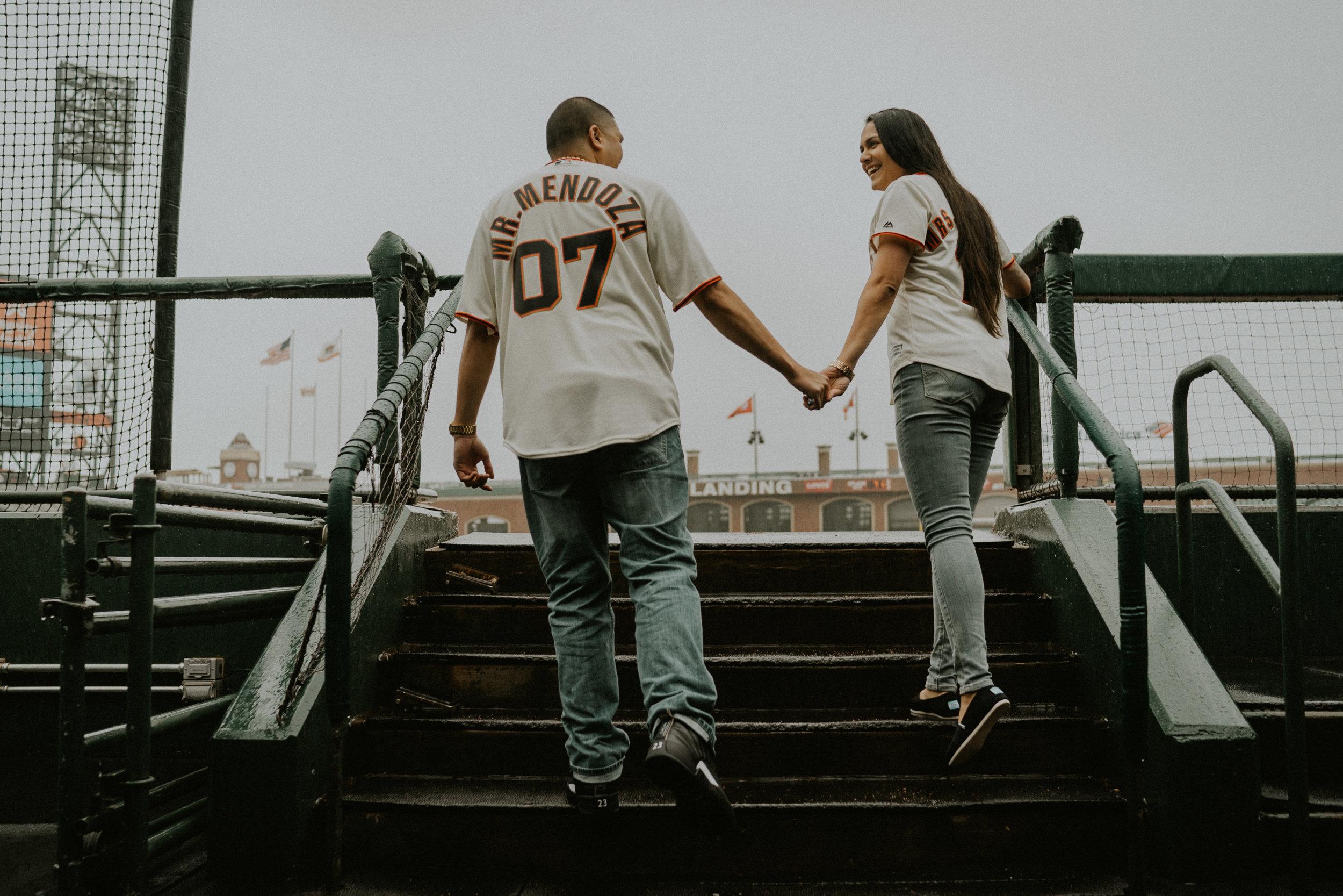 San-Francisco-engagement-wedding-photographer-Giants-AT&T-Park-13.jpg