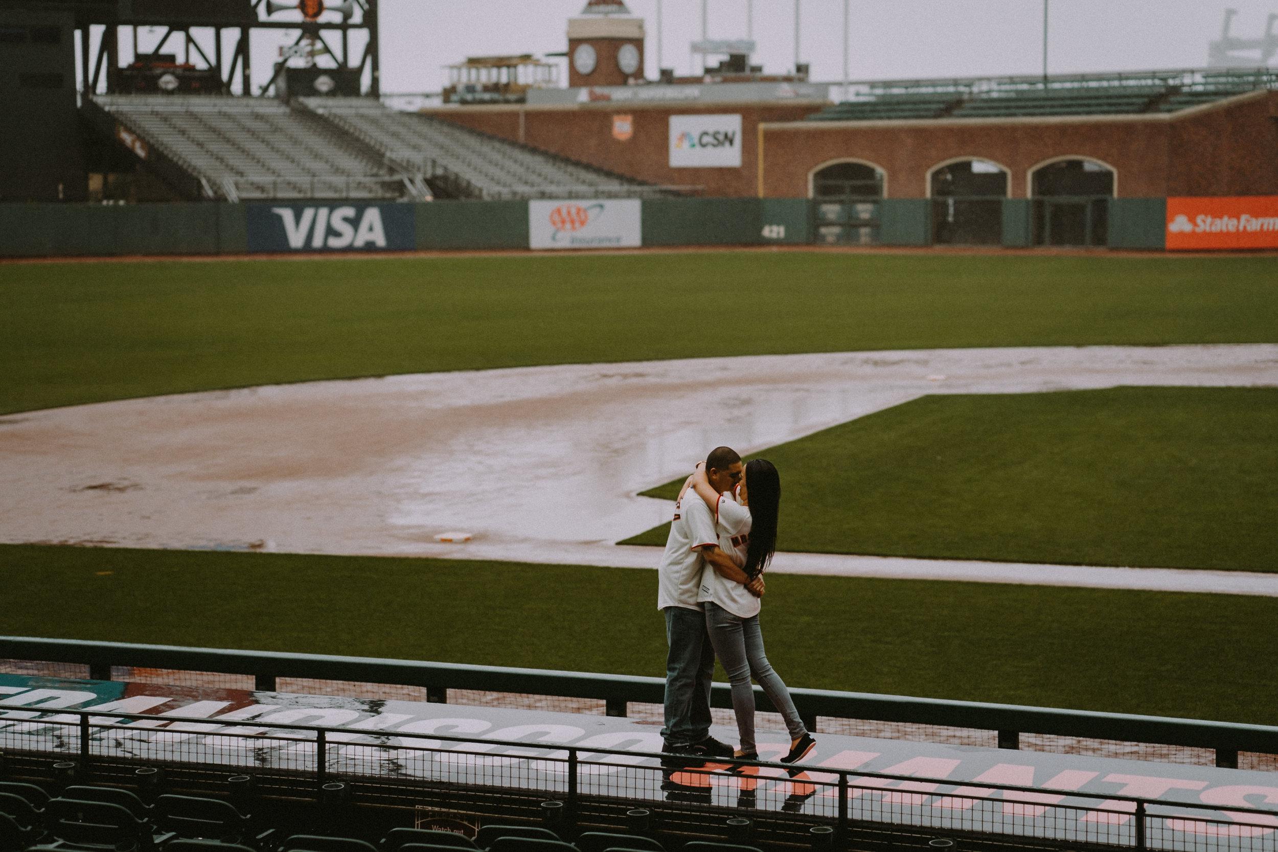 San-Francisco-engagement-wedding-photographer-Giants-AT&T-Park-19.jpg