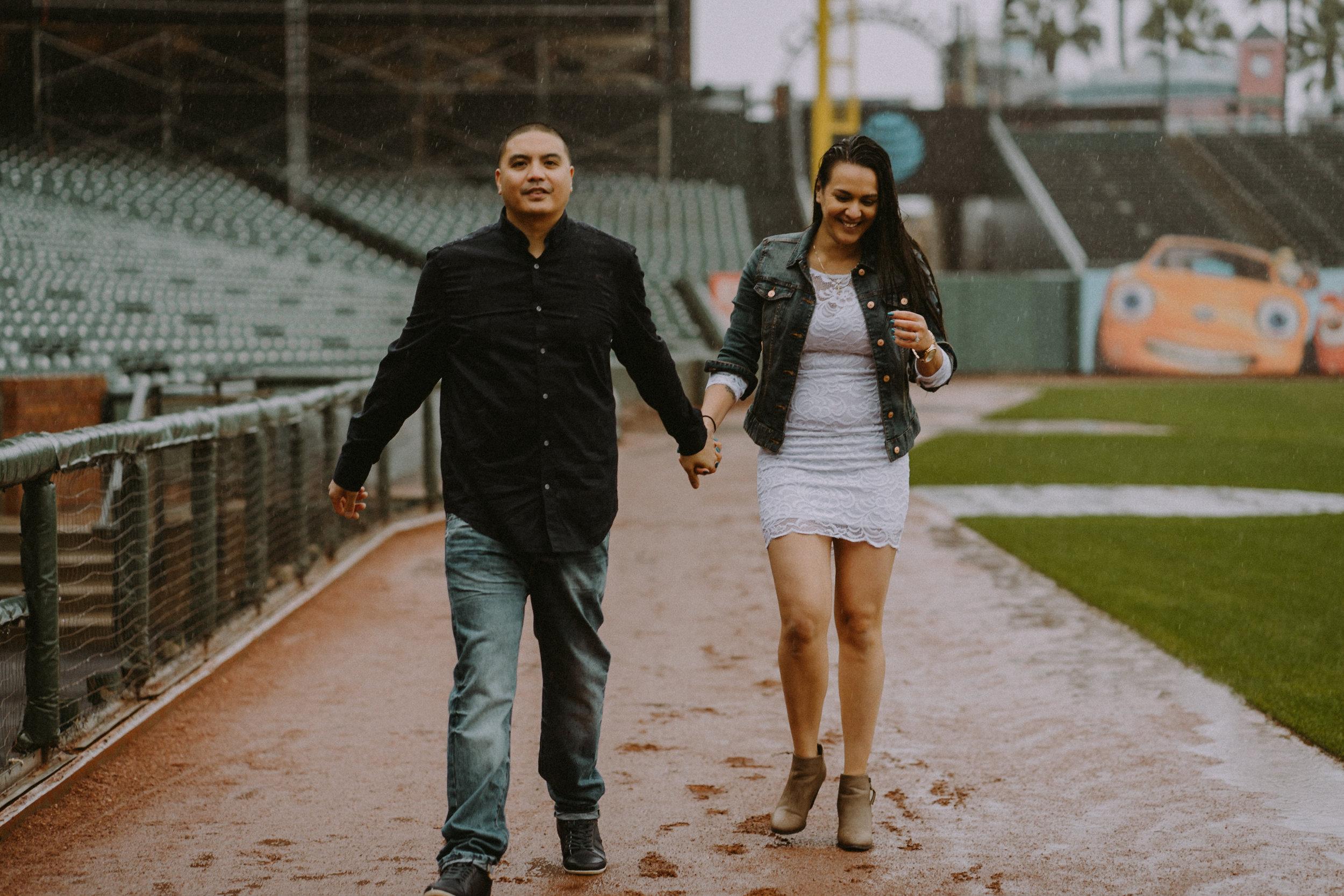 San-Francisco-engagement-wedding-photographer-Giants-AT&T-Park-27.jpg