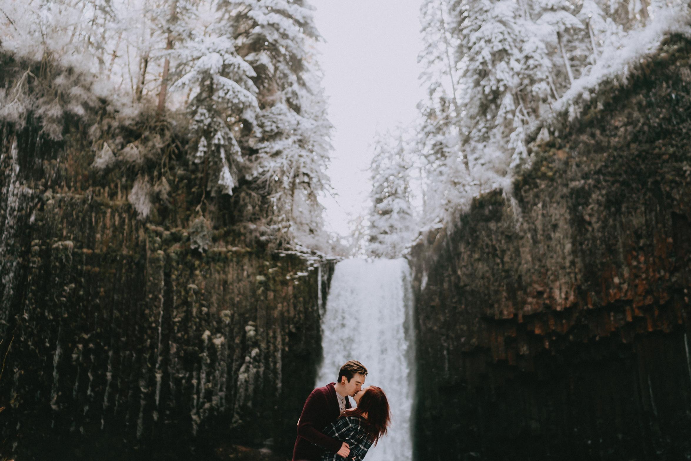 AbiquaFalls_Oregon_wedding_Engagement_photographer_alfred_tang-21.jpg
