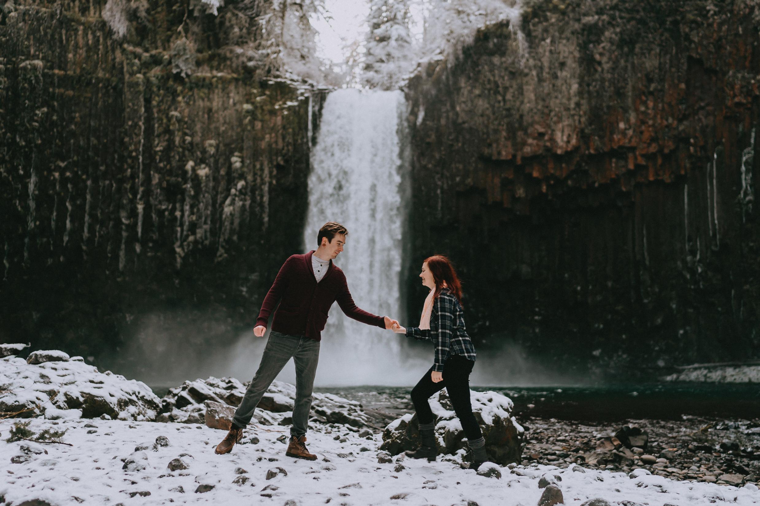 AbiquaFalls_Oregon_wedding_Engagement_photographer_alfred_tang-18.jpg