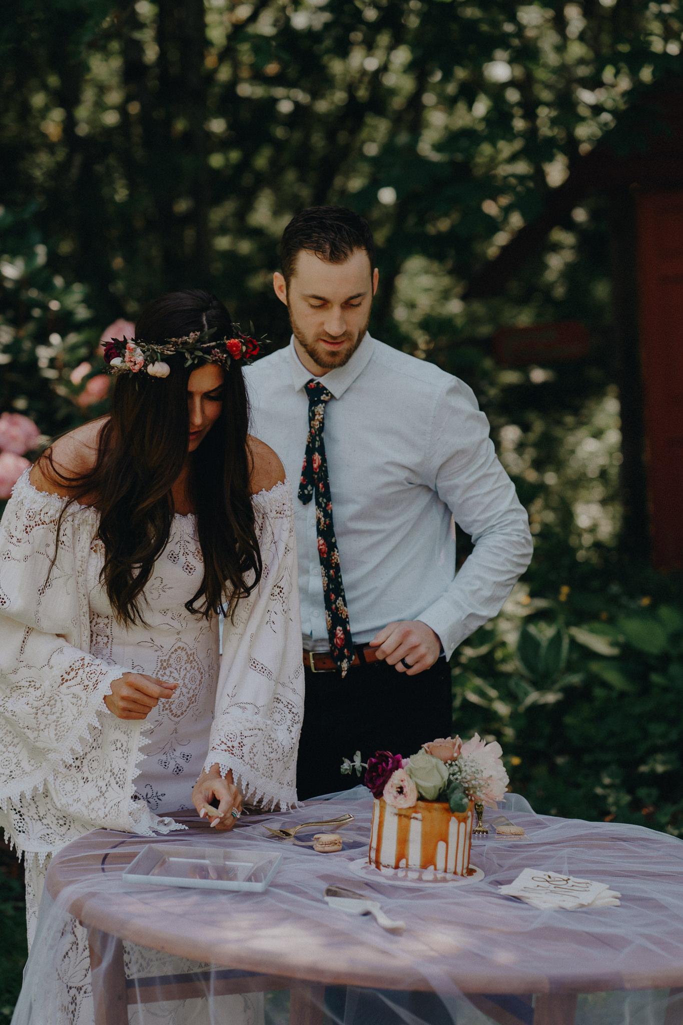 Bride-Groom-Cake-Photography