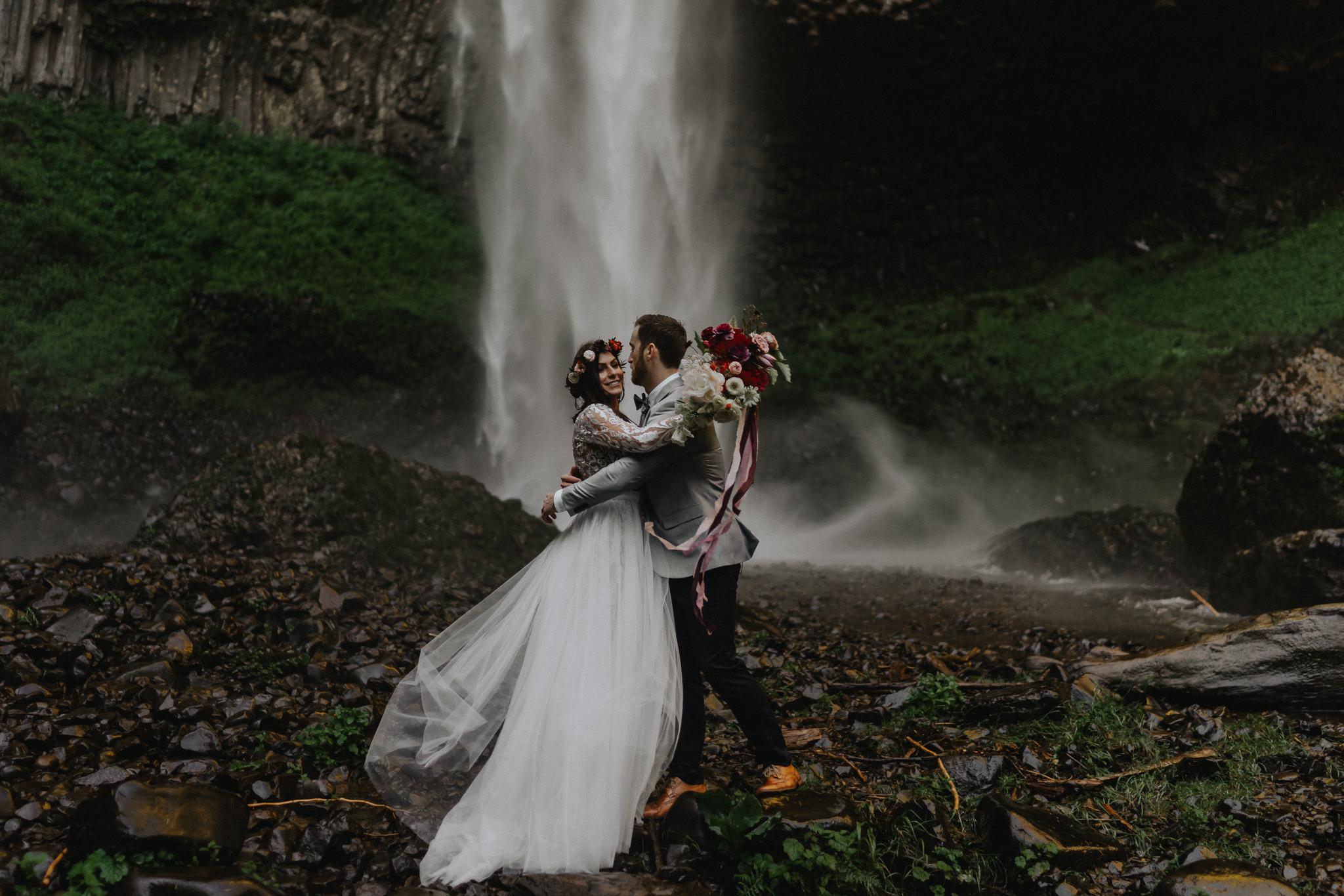 Oregon-Columbia-Gorge-Waterfalls-Photographer