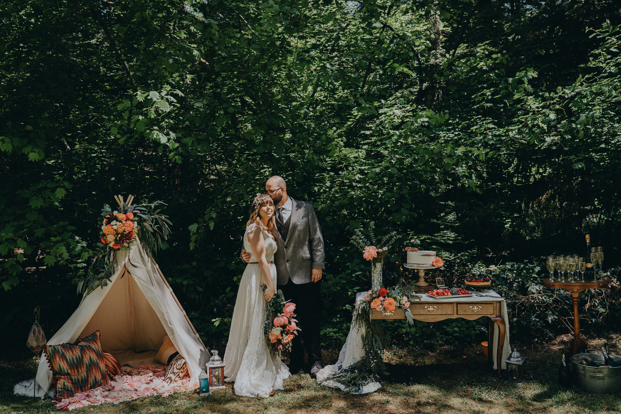 Stylized-shoot-table-bridal-groom-photographer-Alfred-Tang