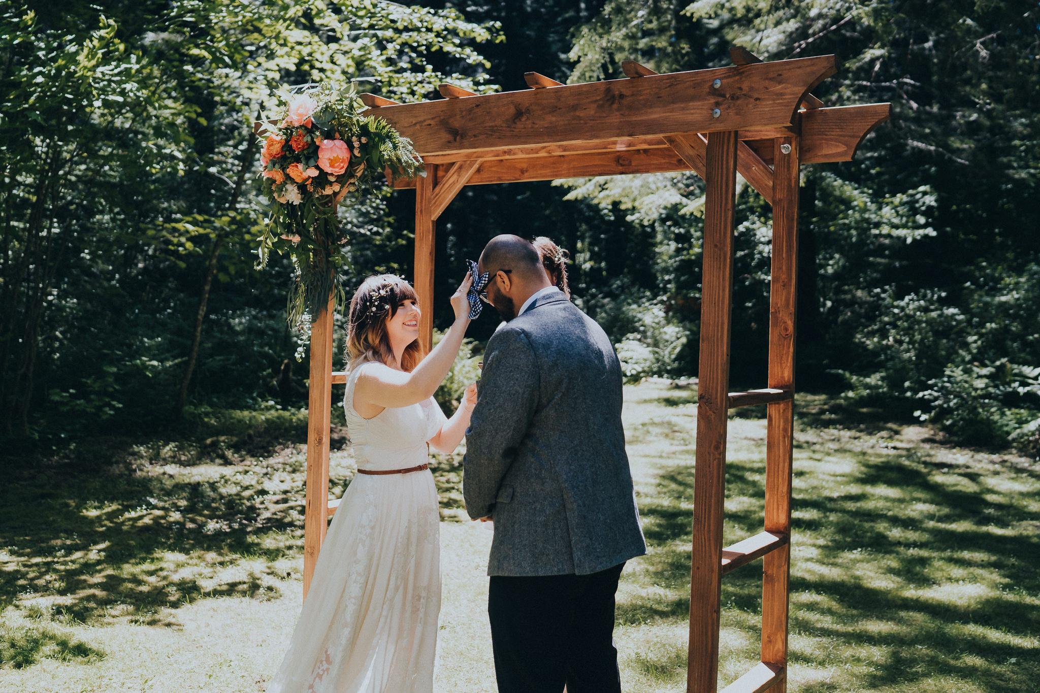 hot-groom-bride-oregon-wedding-Photographer