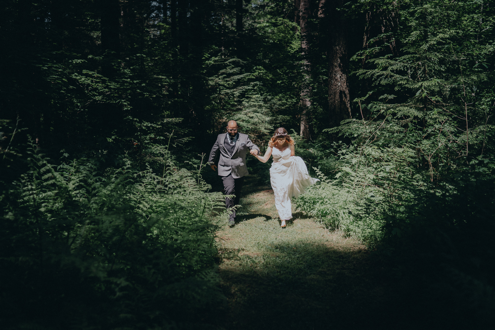Skipping-woods-bride-groom-wedding-photography