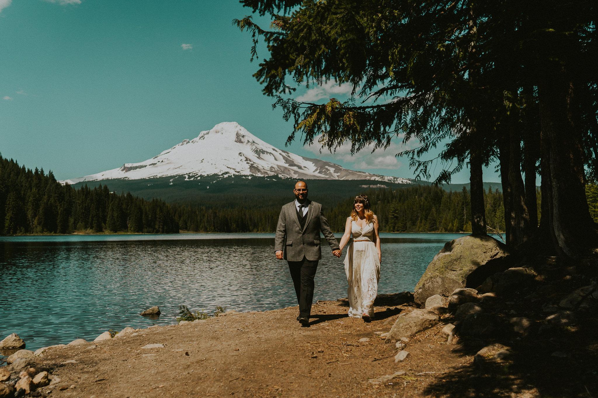 Trillium-Lake-Wedding-Photographer