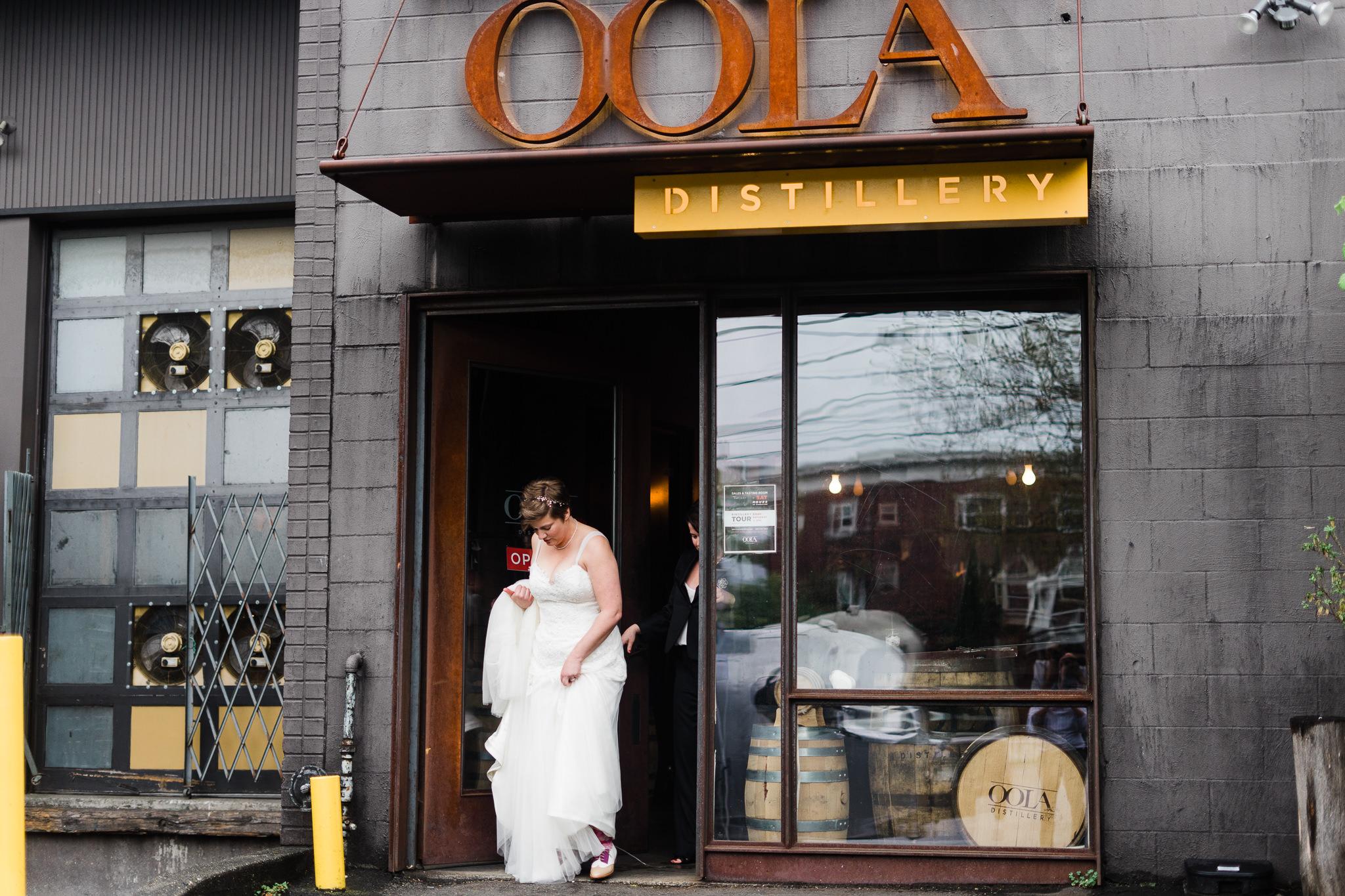 Walk out OOLA Lesbian Gown