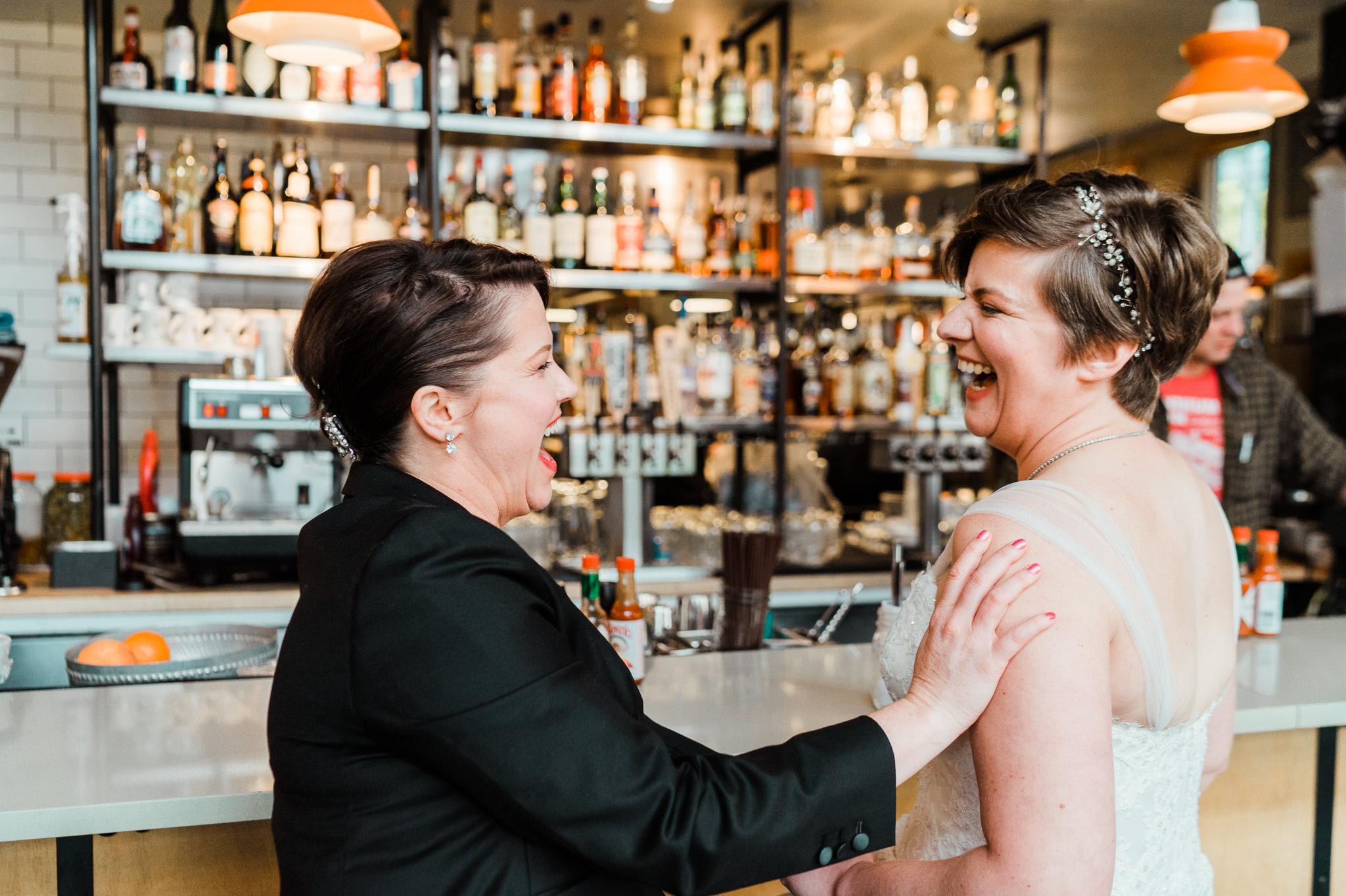 Skillet Diner Brides Portraits in love met