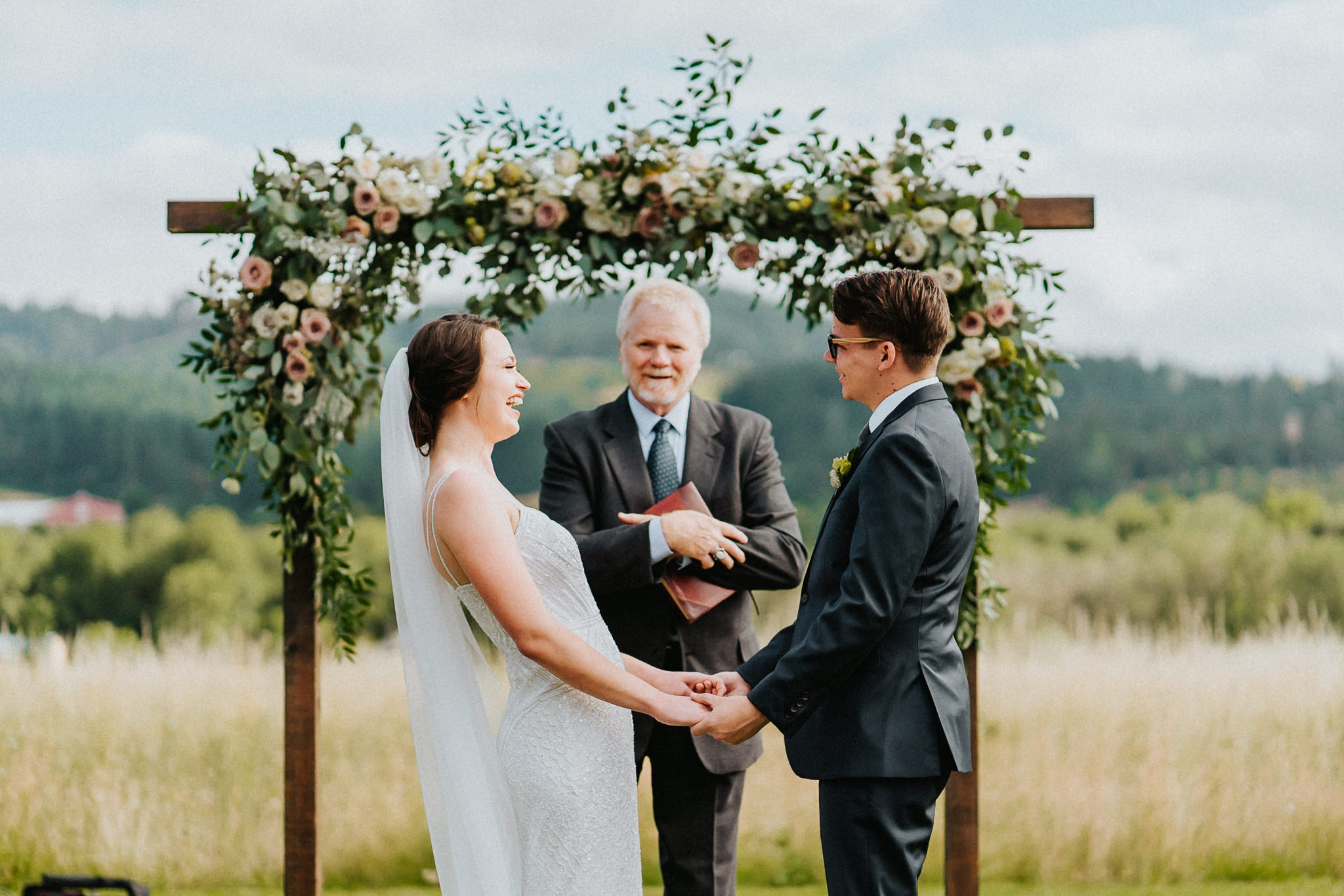 Ceremony Bride Groom Alter Water Oasis Alfred Tang Photography