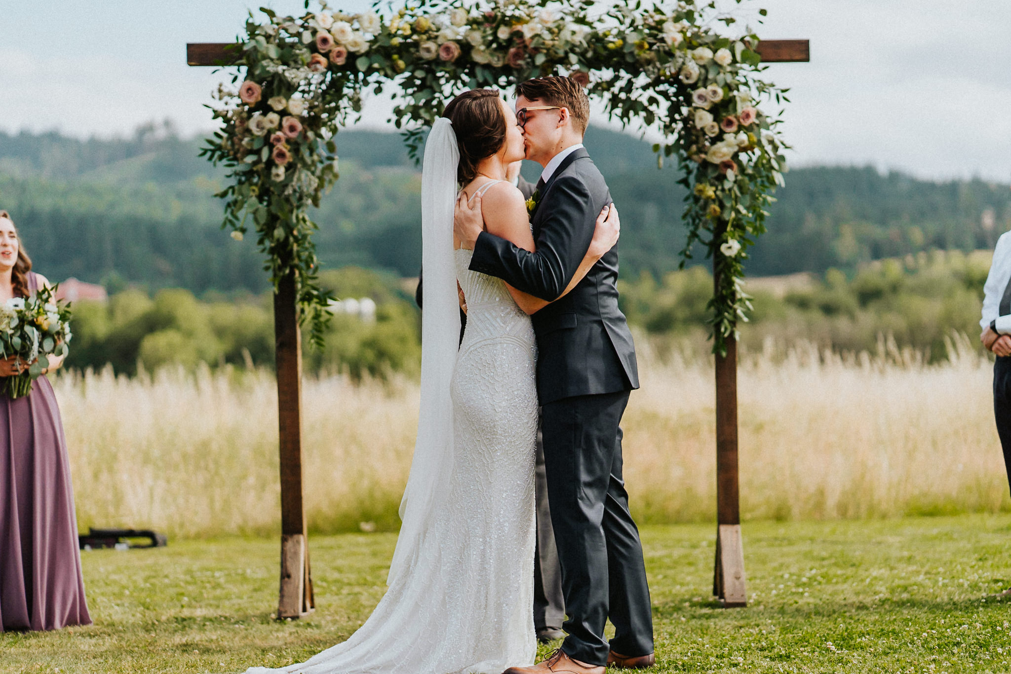 bride Groom First Kiss ceremony Best Oregon Wedding Photographer Alfred Tang