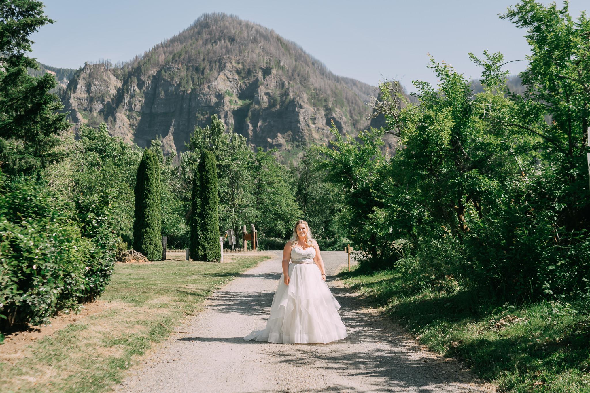 Portland Oregon Columbia River Gorge Cascade Locks First Look Wedding Photographer
