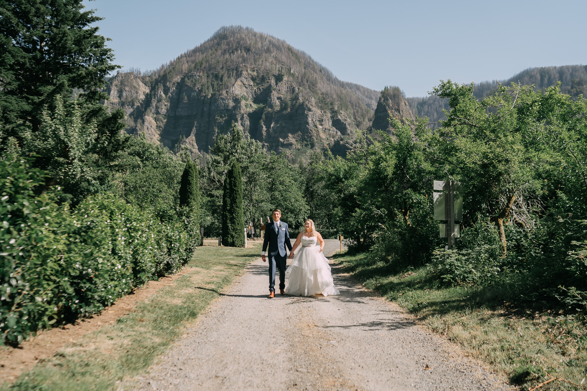 Wedding First Look Hug Kiss Columbia River Gorge Cascade Locks Cliffside