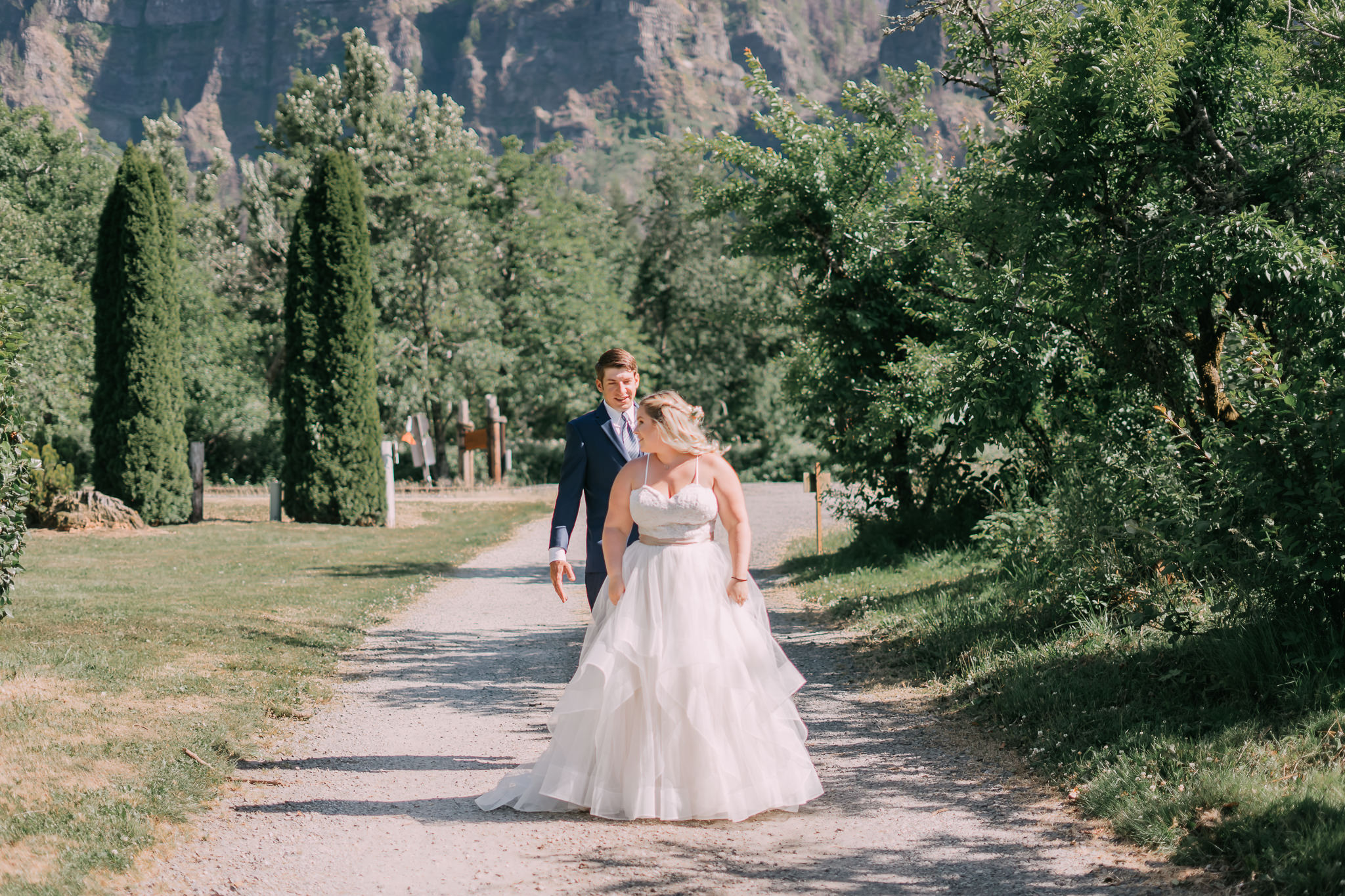 Wedding First Look Bride Groom Best Oregon Wedding Photographer