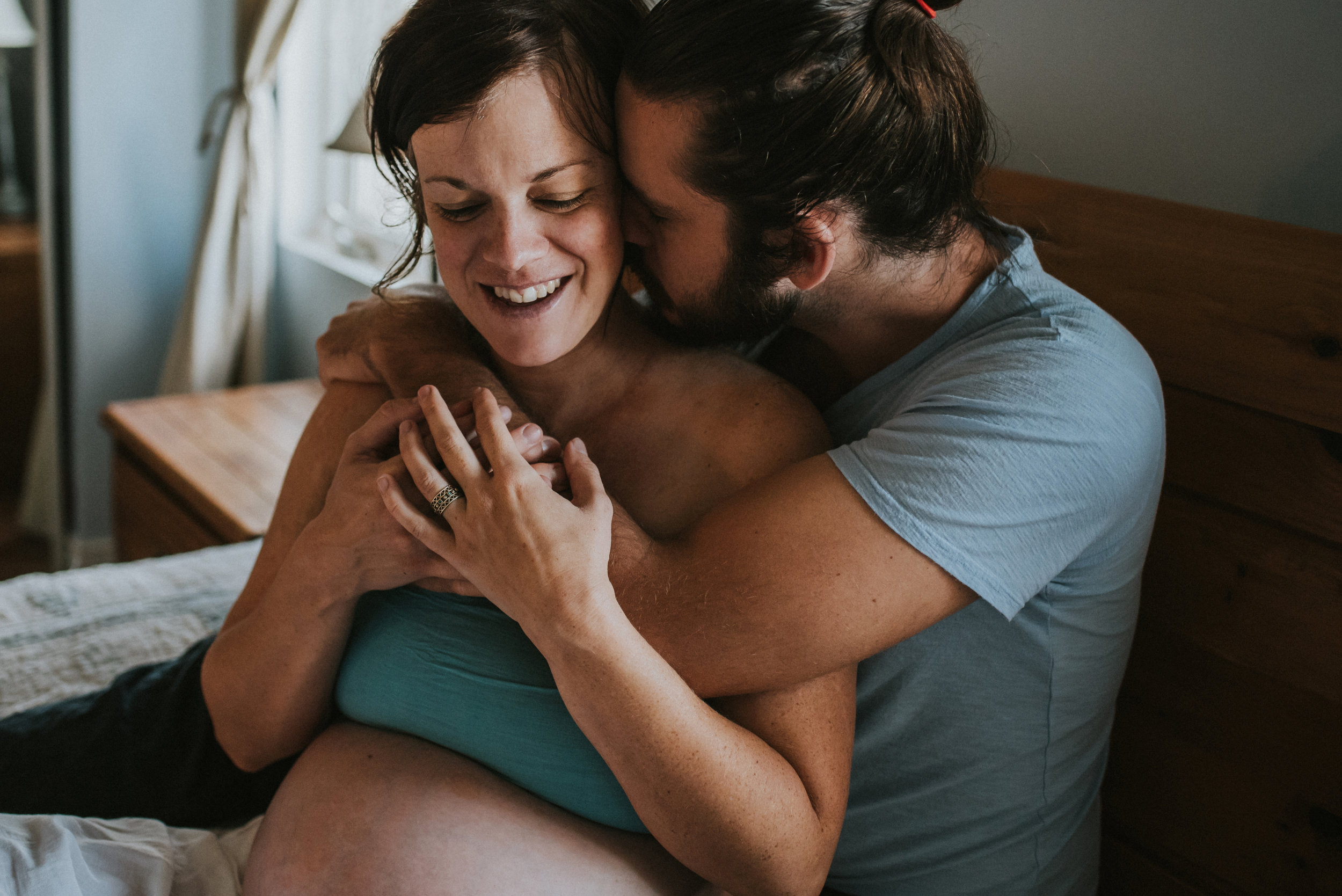 Beamsville in-home maternity lifestyle photography session