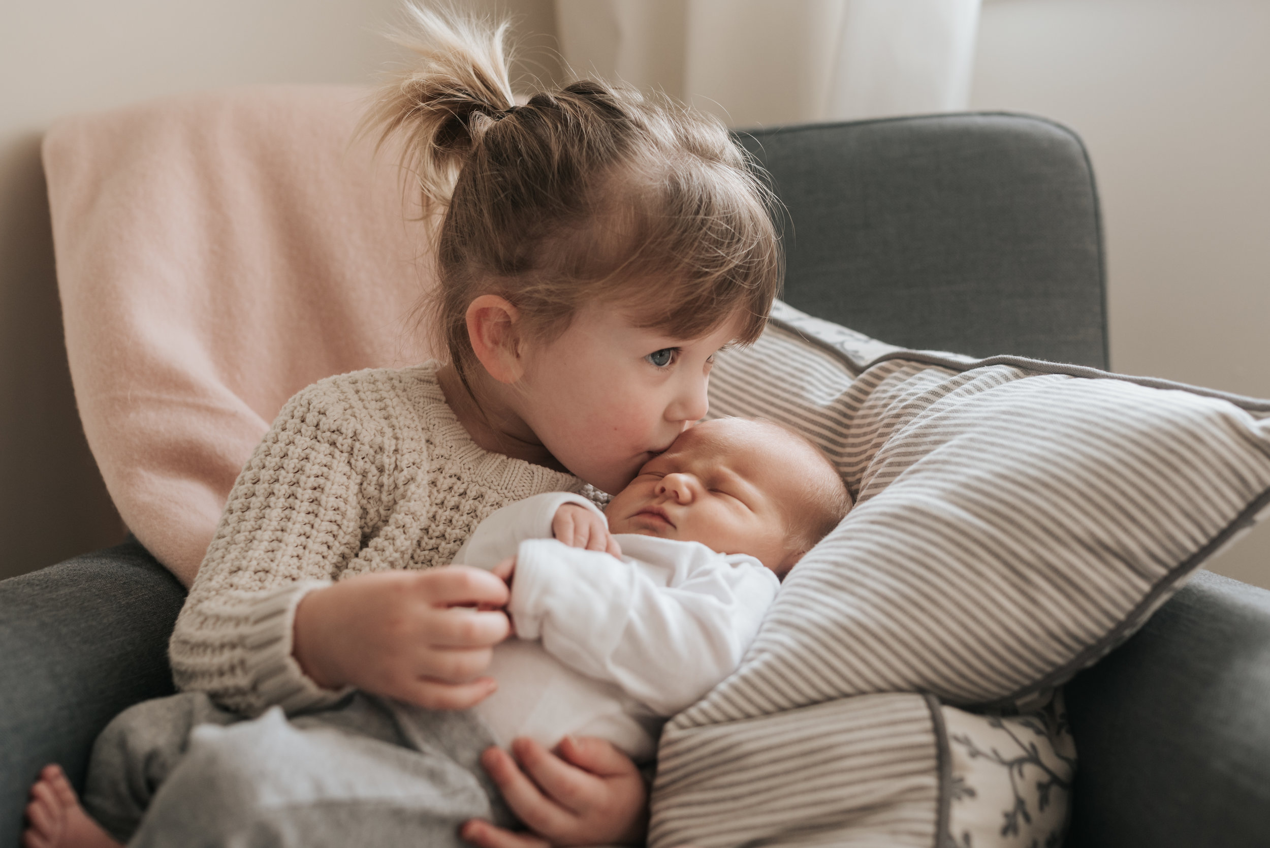 Beamsville at home newborn photography lifestyle siblings