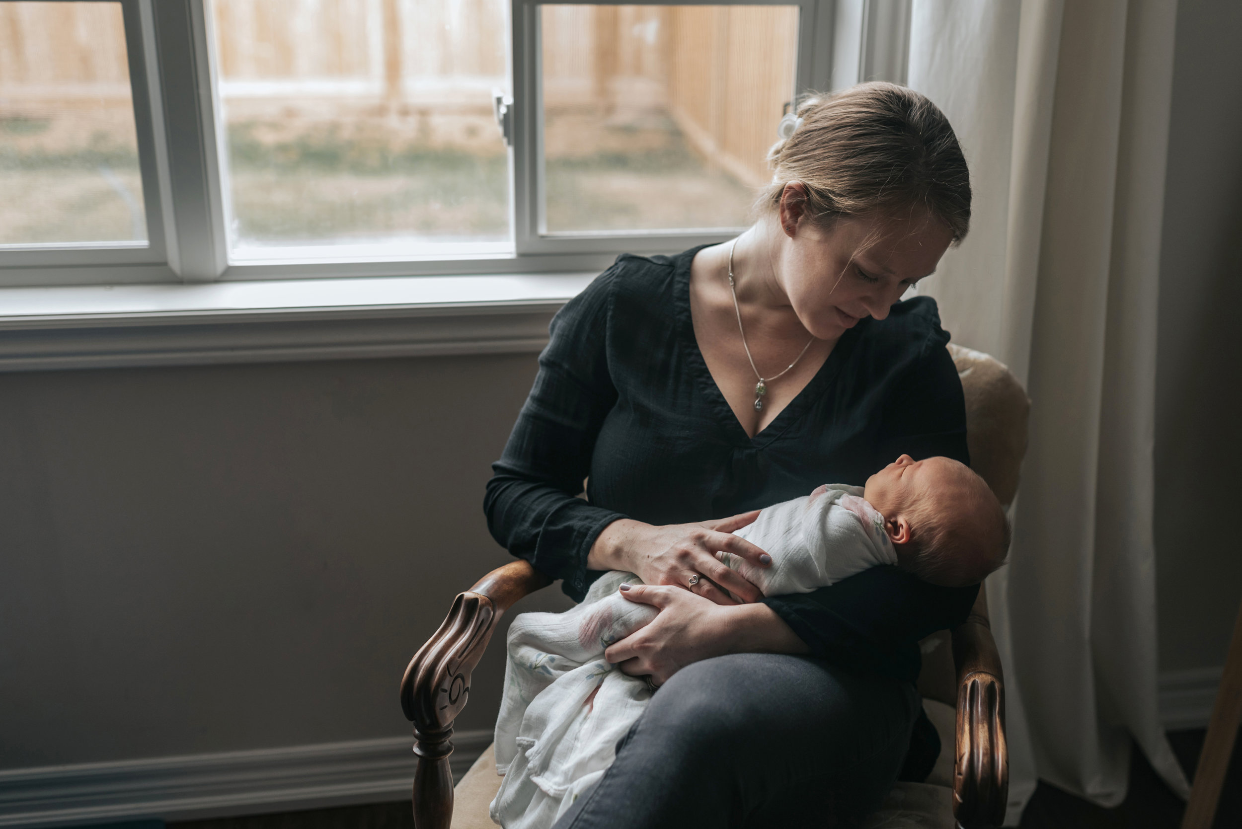 Beamsville at home newborn lifestyle photographers